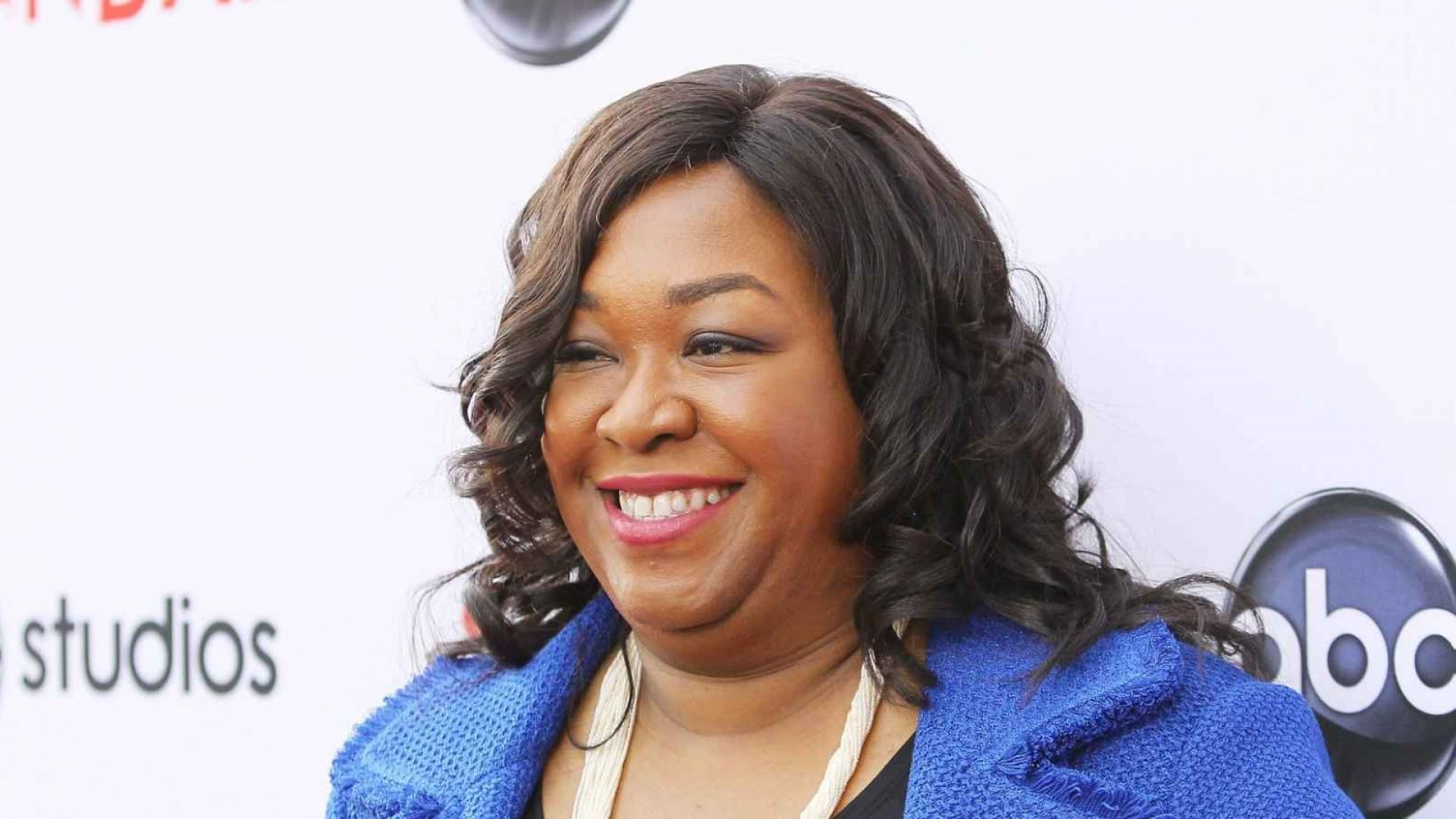 What You Can Learn from Shonda Rhimes's Social Media Success