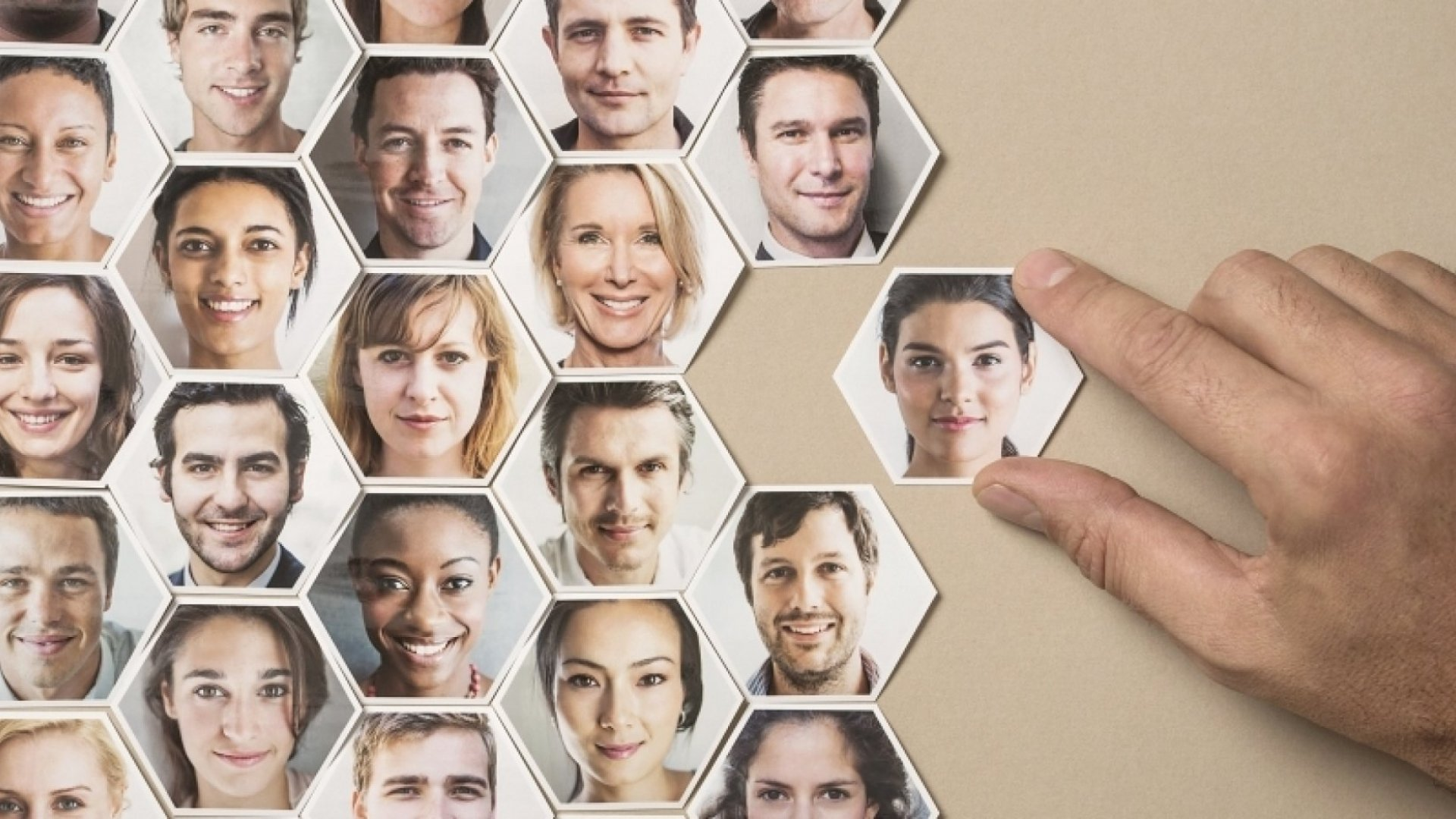 4 Ways to Boost Your Social Selling Profile (Courtesy of LinkedIn)