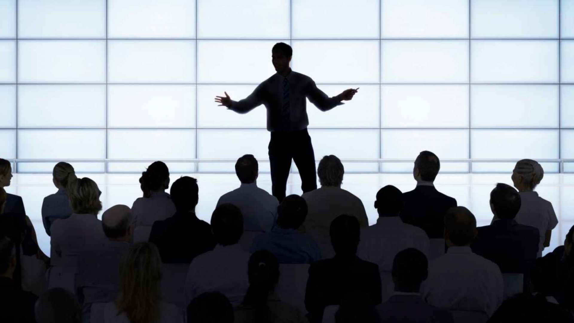 How to Deliver an Amazing Presentation (Especially If You Hate Public Speaking)