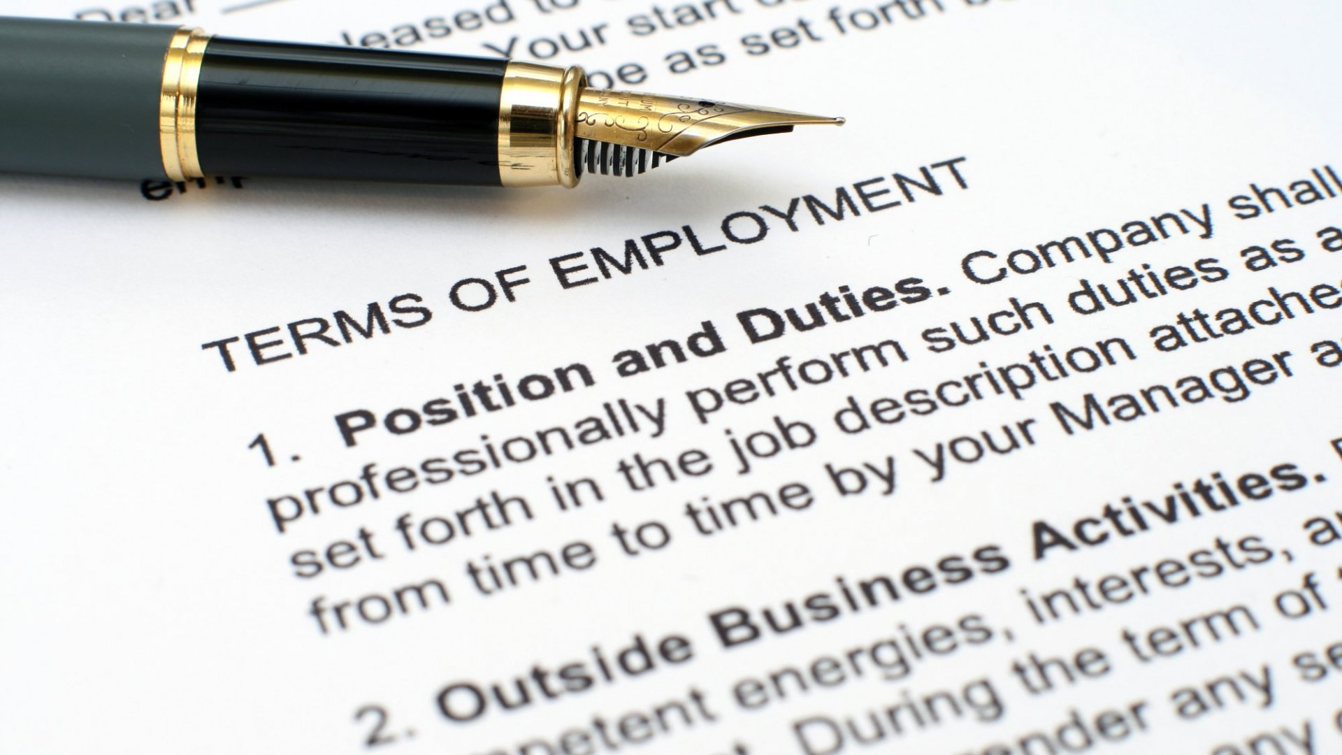 5 Things You Need in Every Employment Contract