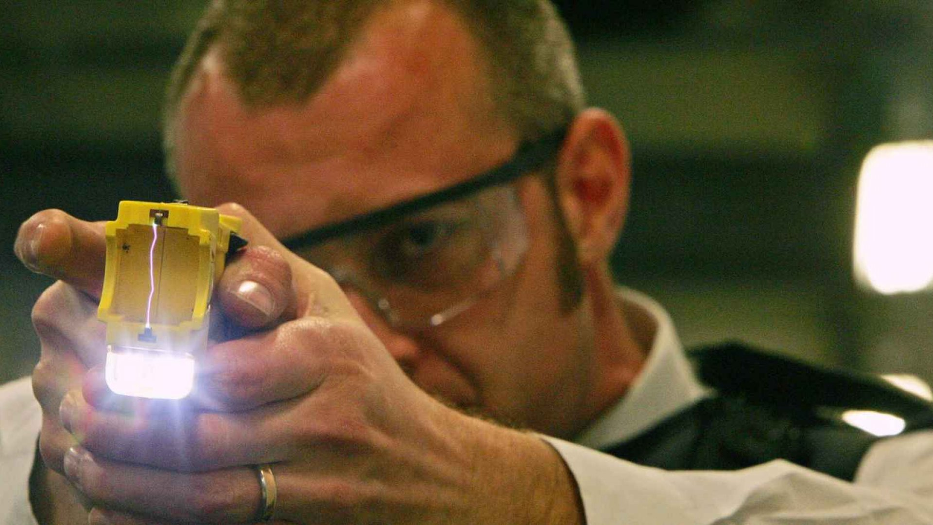 Police Departments Have Questionable Ties to Stun-Gun Maker Taser
