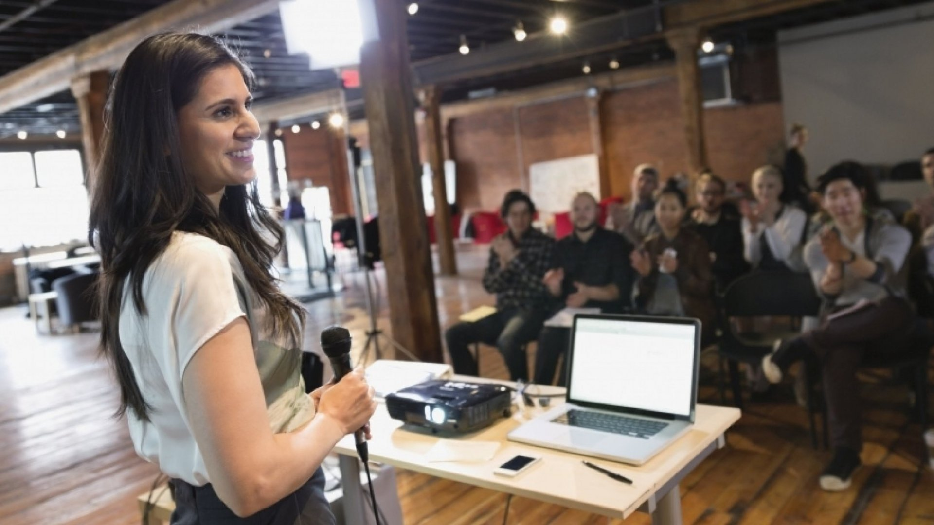 5 Ways to Nail Presenting Your Company
