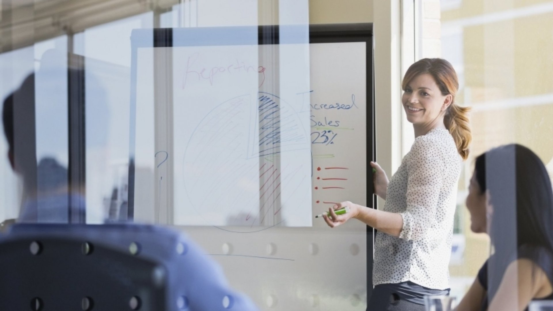 9 No-Fail Ways to Pitch Yourself Without Seeming Inauthentic