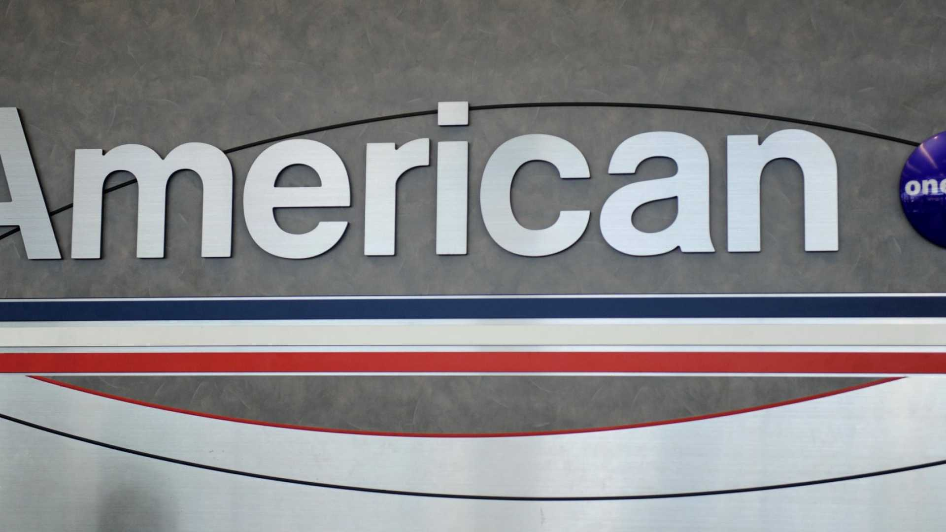 How an American Airlines Employee Saved Two Teenage Girls From a Very Bad Man