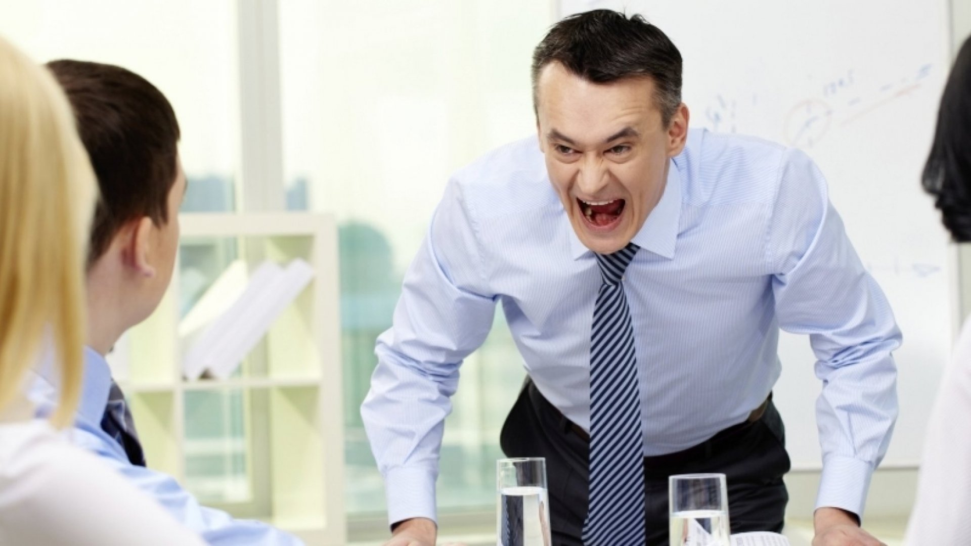 4 Signs Your Boss Is Bad For Your Health