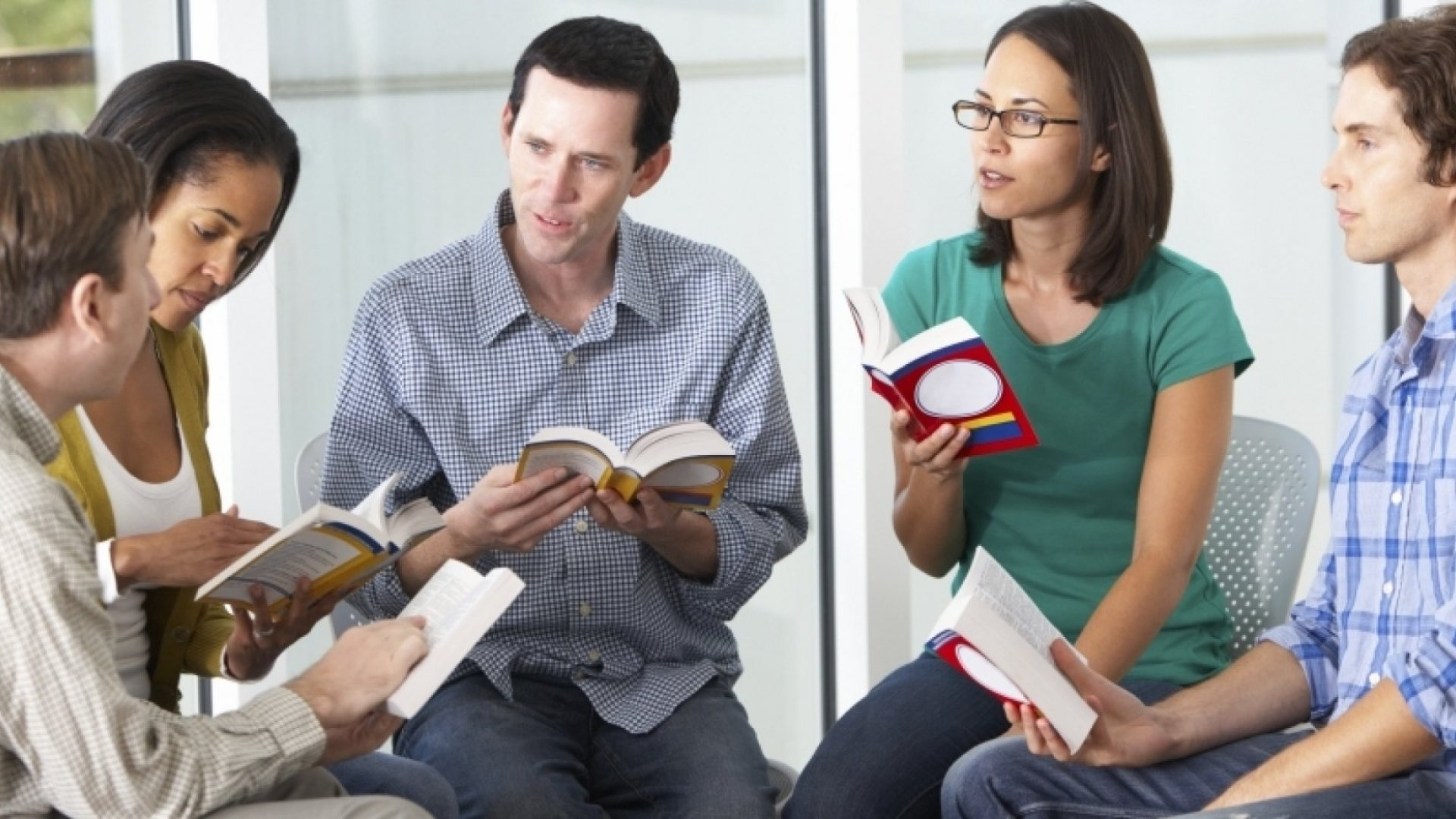 3 Ways a Book Club Can Boost Employee Performance
