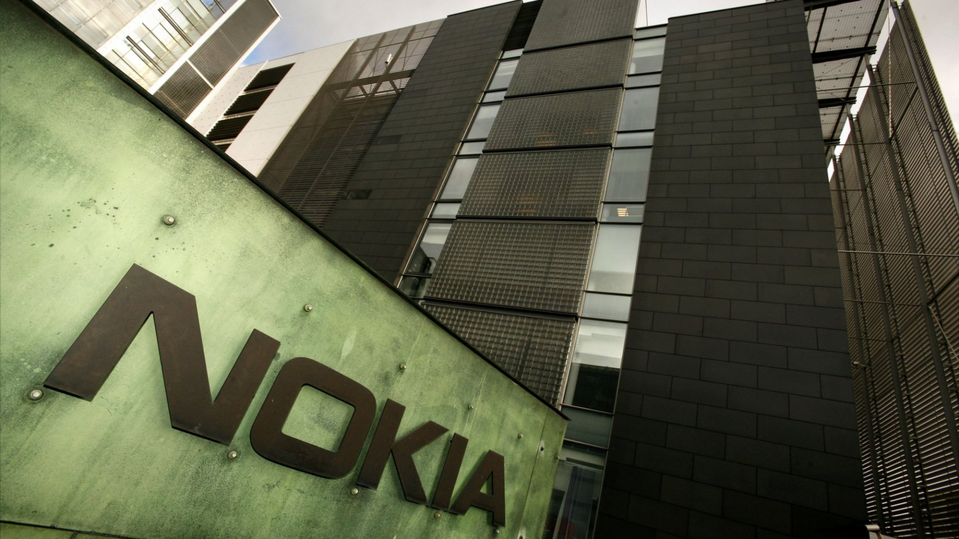 How Nokia Sued Apple into a Business Partnership