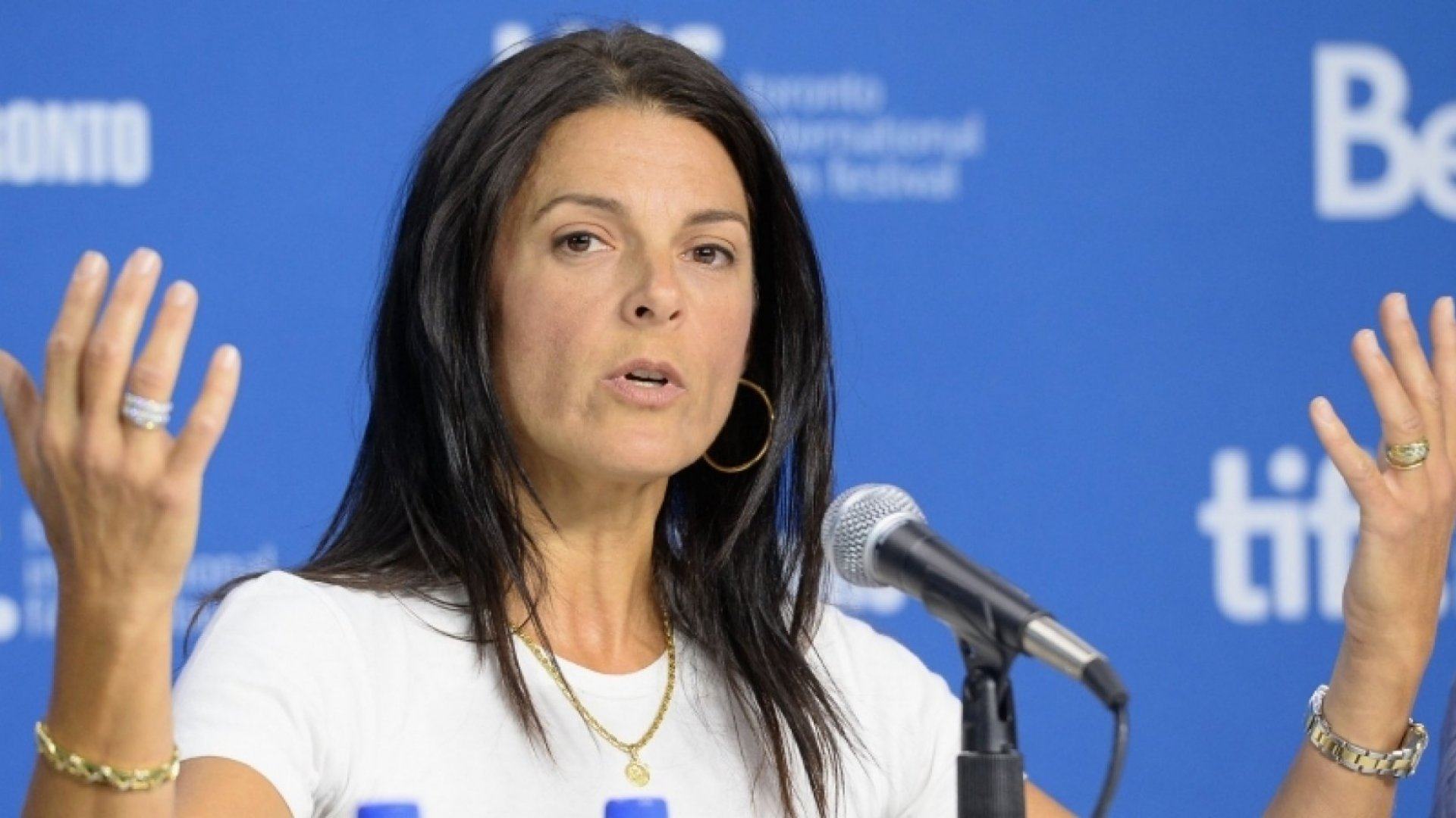 6 Key Lessons From the Woman Who Refused to Back Down From Lance Armstrong