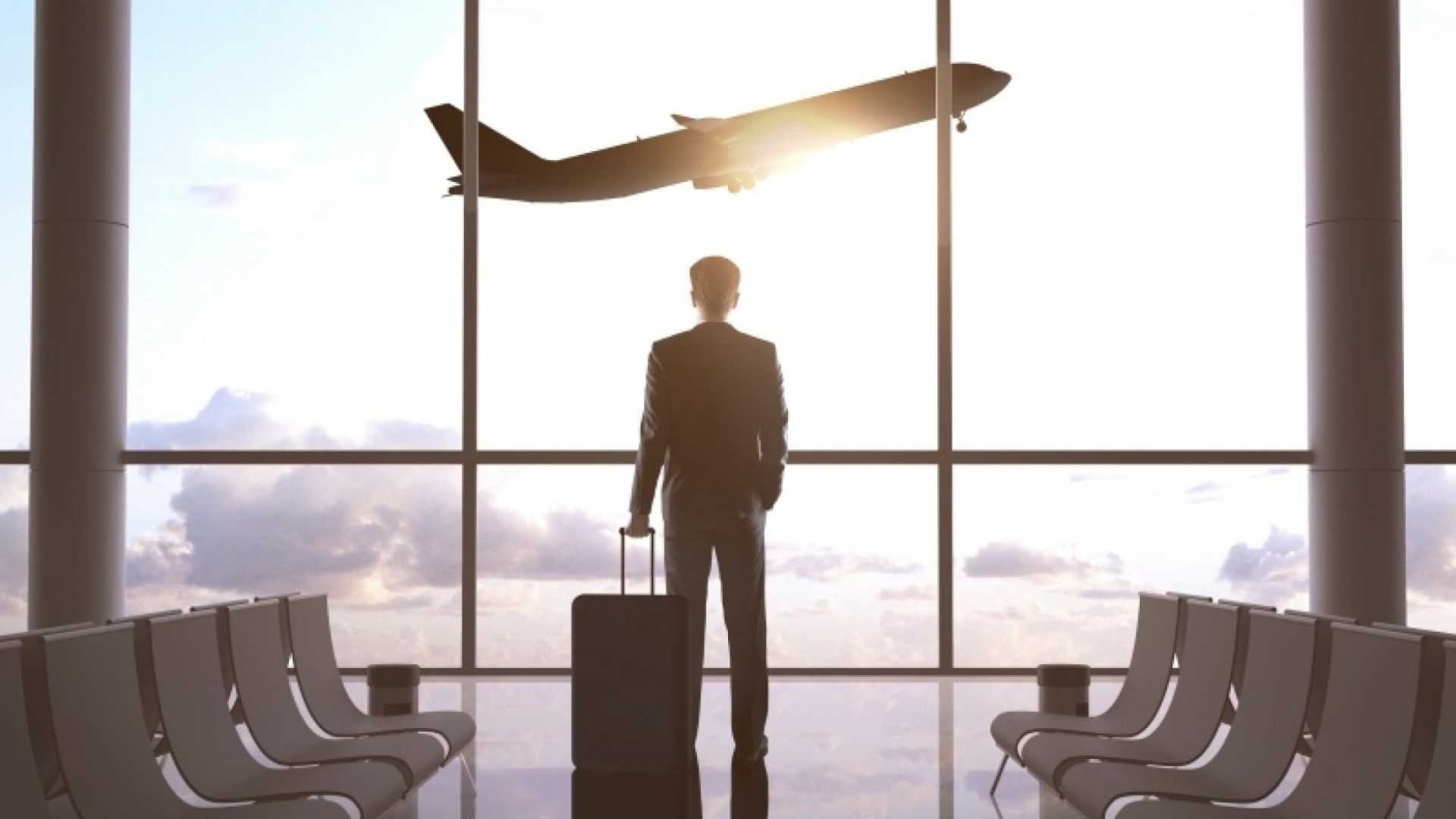 Savvy Business Travelers Always Pack These 12 Things