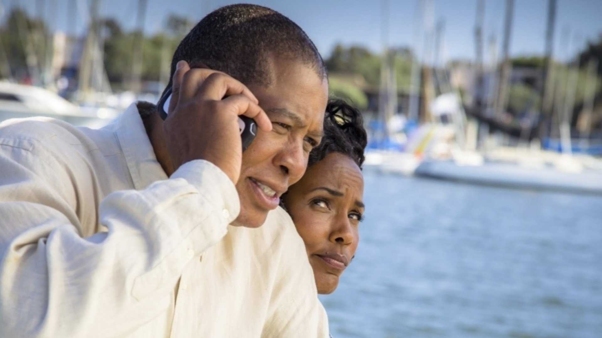 Can Your Employer Require You to Answer Your Cell Phone on Vacation?