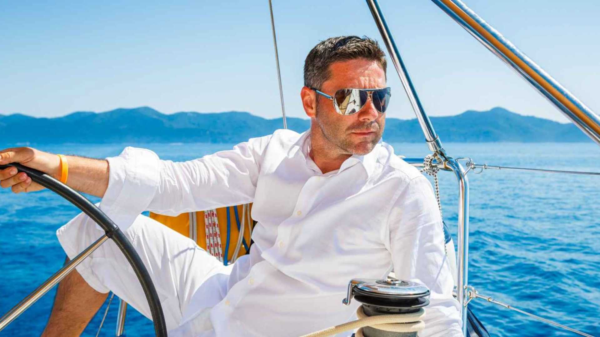 Want to Be Ridiculously Wealthy? 5Simple Strategies of Self-Made Billionaires