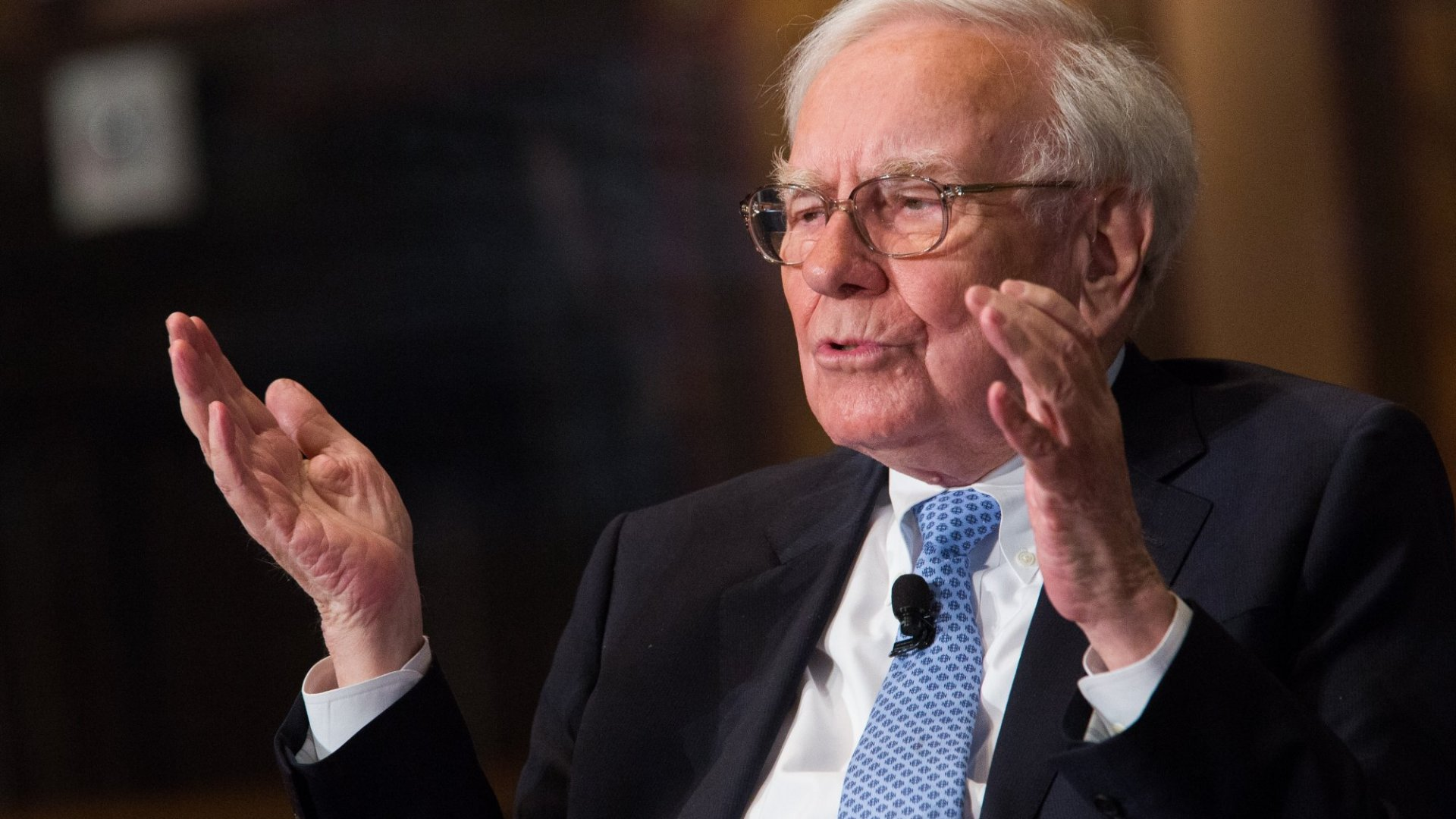 3 Ways Warren Buffett Wants You to Think Bigger