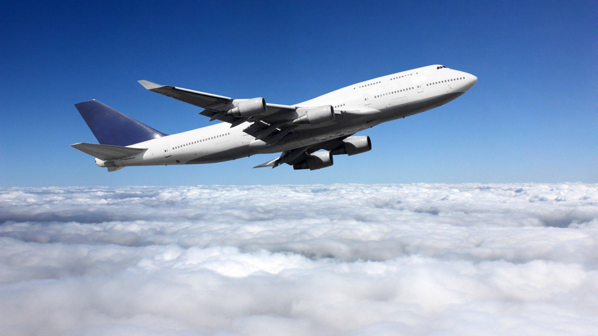 3 Productivity Hacks For Your Next Plane Trip