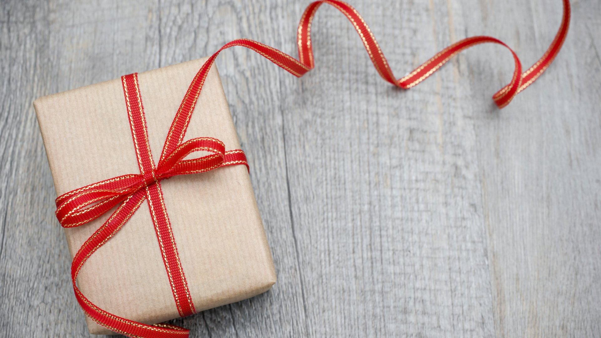 Here's How Gift-Giving Can Help Your Company Even After the Holidays