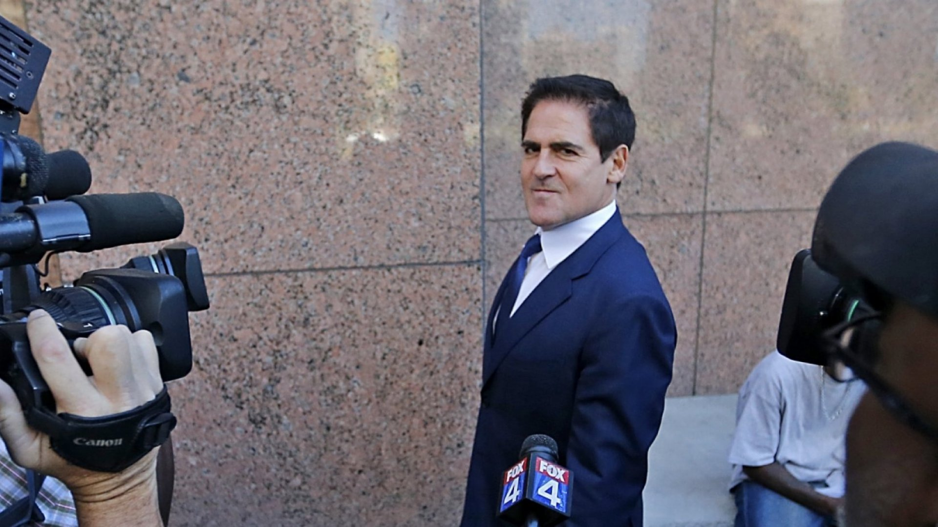 How Mark Cuban Is Turning Himself Into a Political Figure