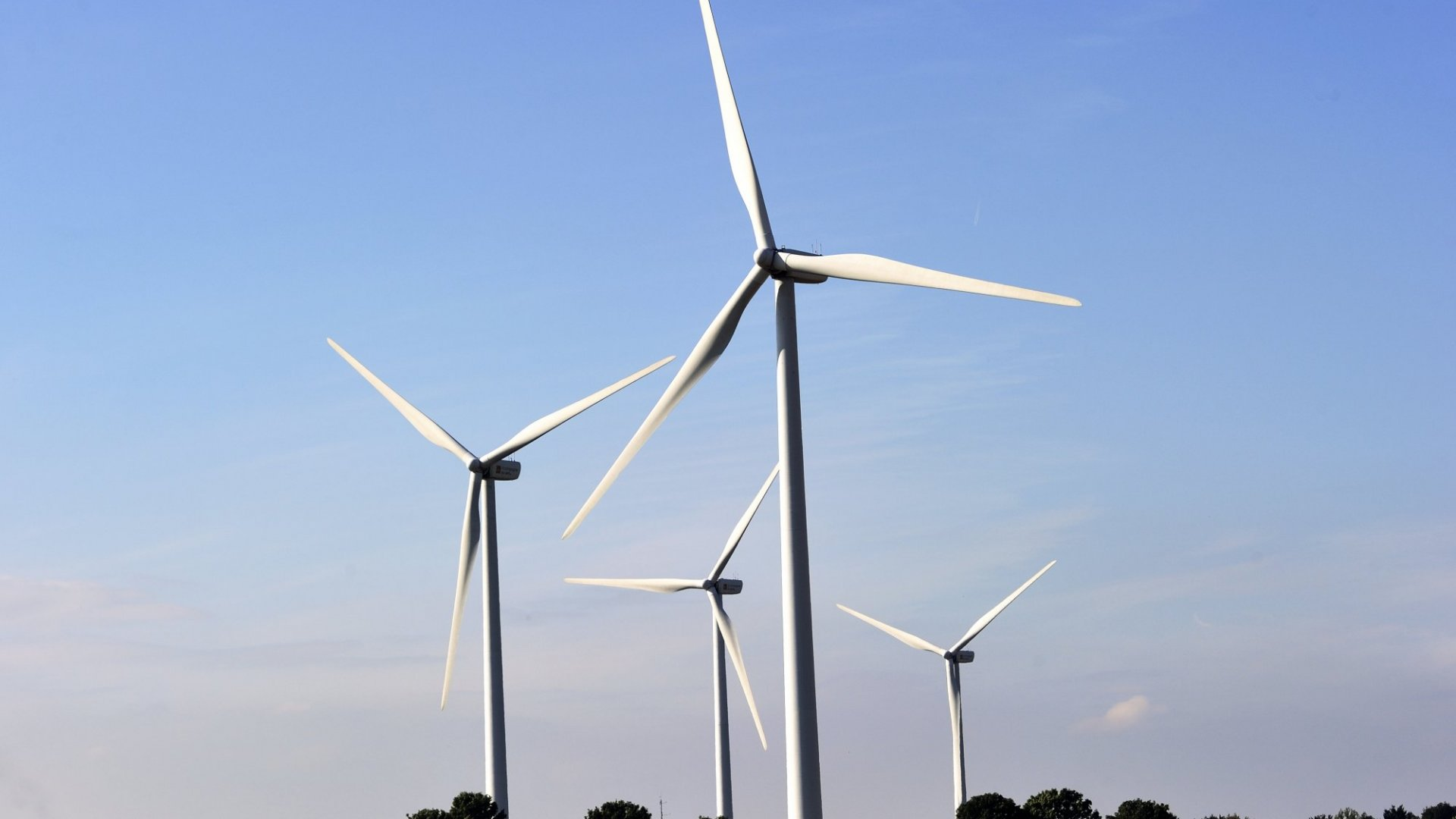 Amazon Web Services to Power Data Centers With Wind Energy