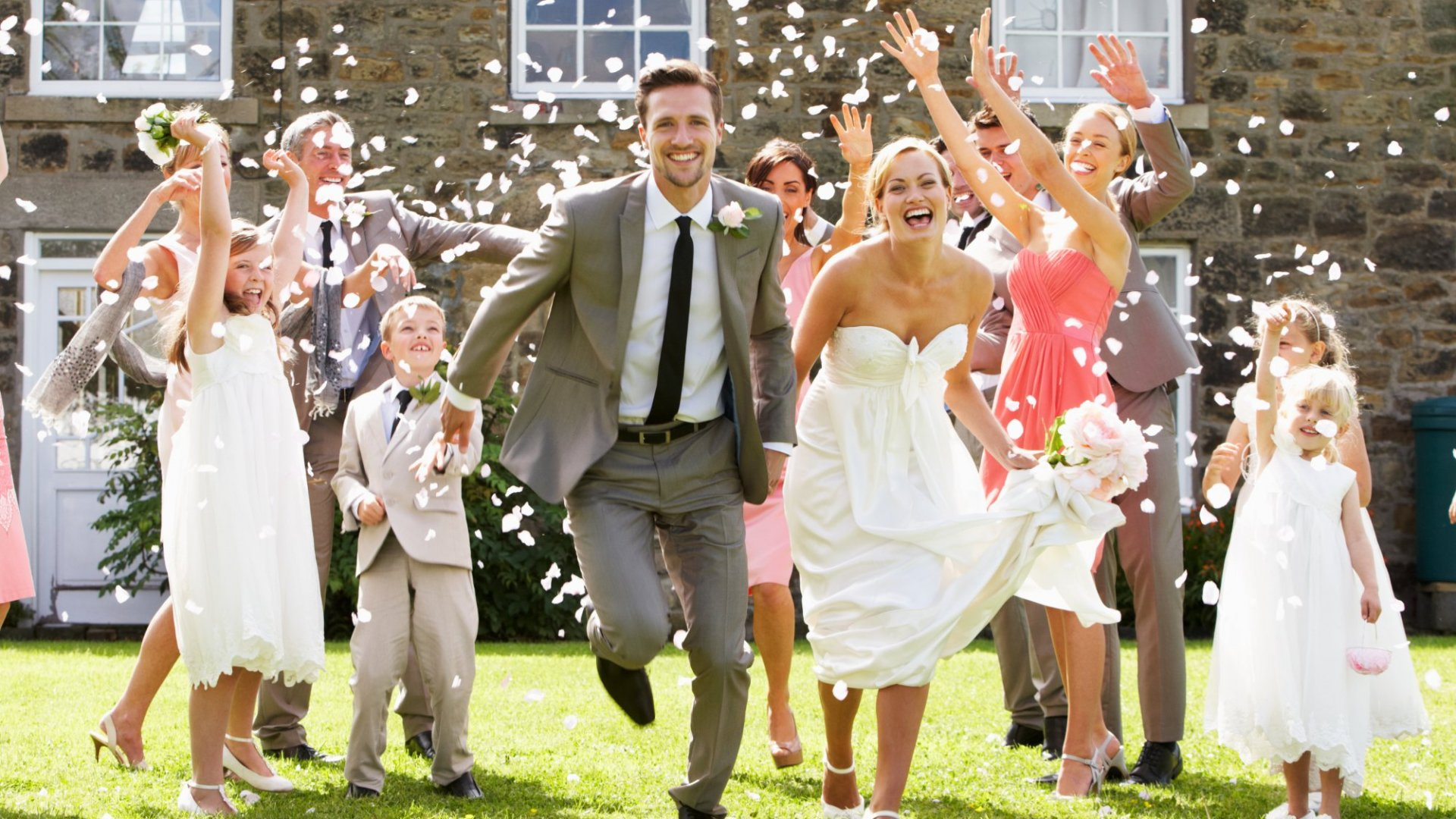 Getting Married This Summer? Here are 5 Things to Remember Along With the Rings