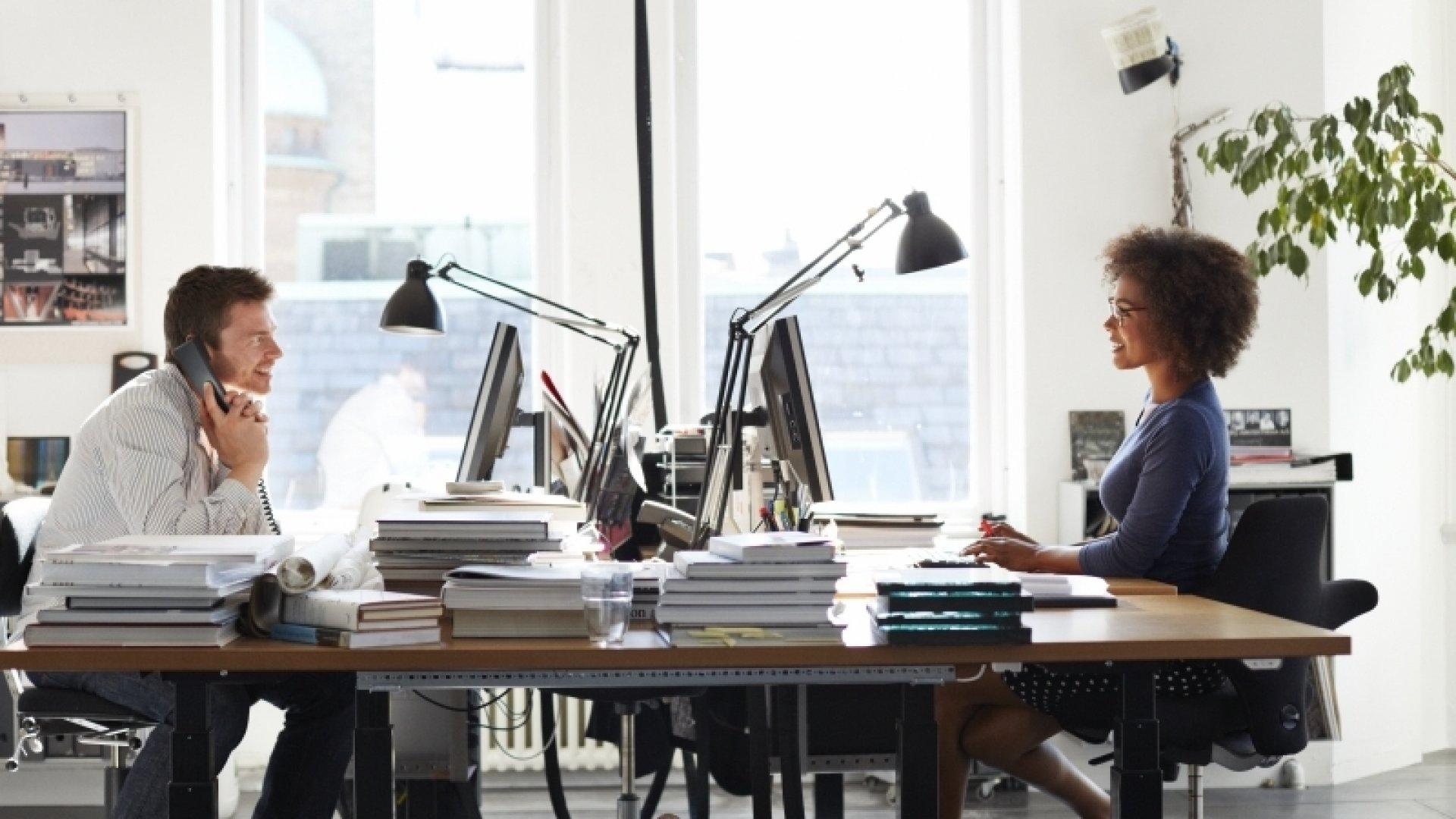 How to Have a Better Working Environment (Infographic)