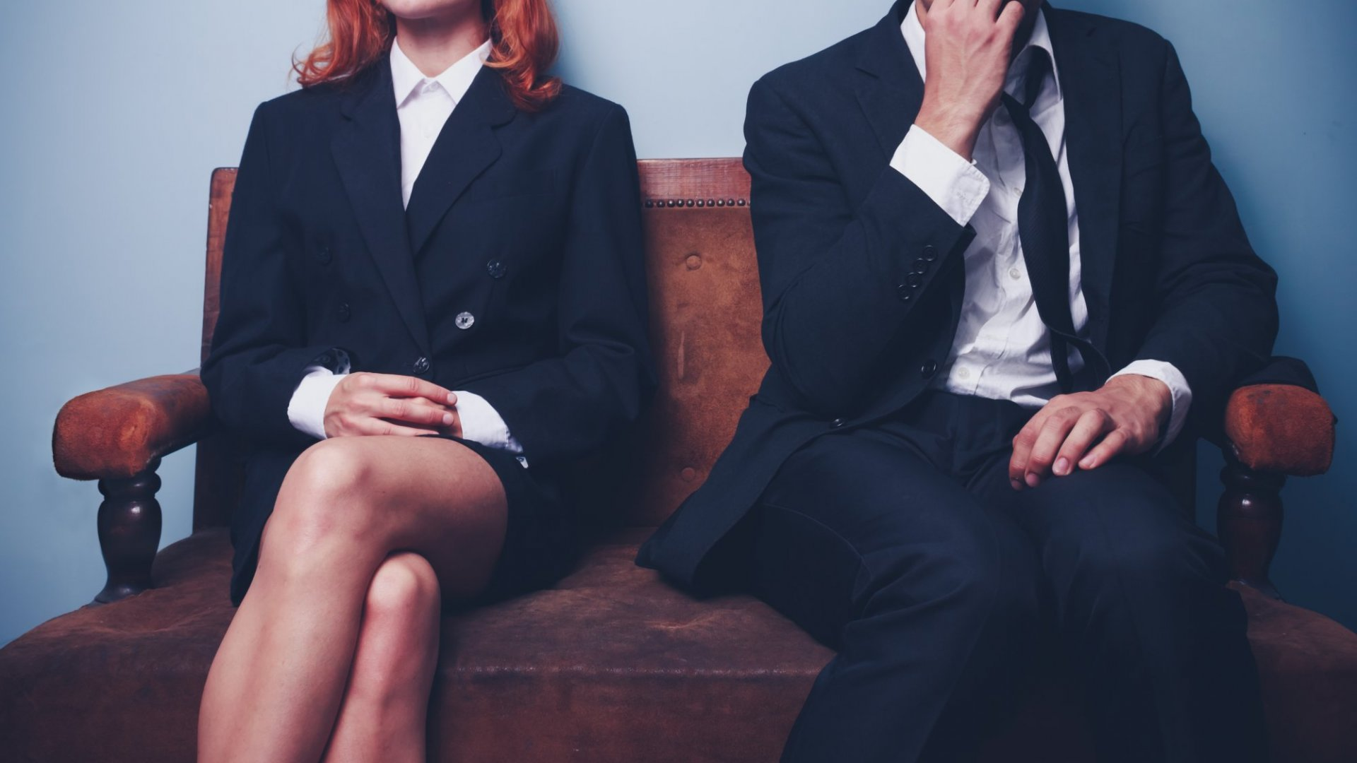 6 Body Language Mistakes That Are Making You Look Unconfident