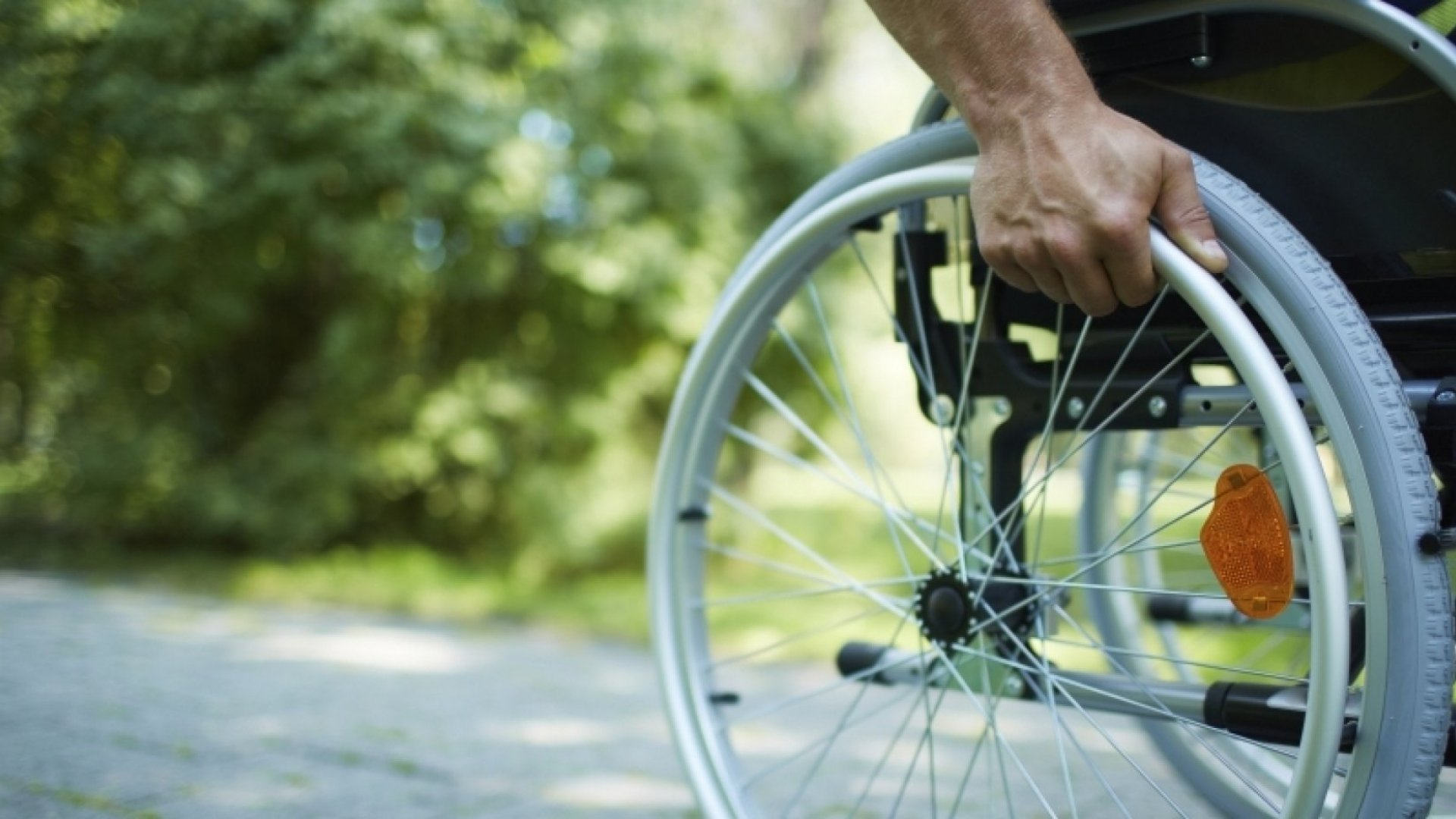 Meet an Inspirational Entrepreneur Who's Aiming to Cure Paralysis Within a Decade
