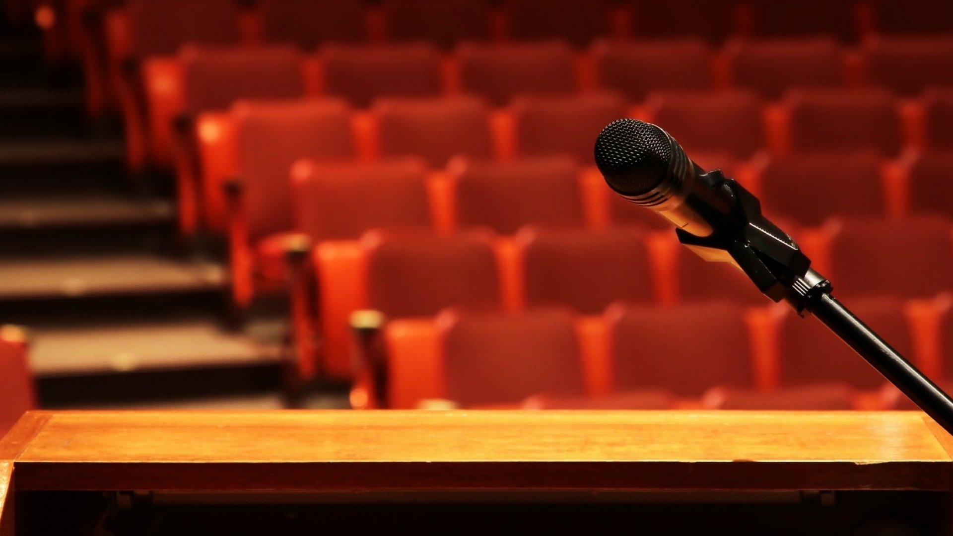 Why This is the Most Widespread Bad Advice in Public Speaking (and You're Probably Following It)