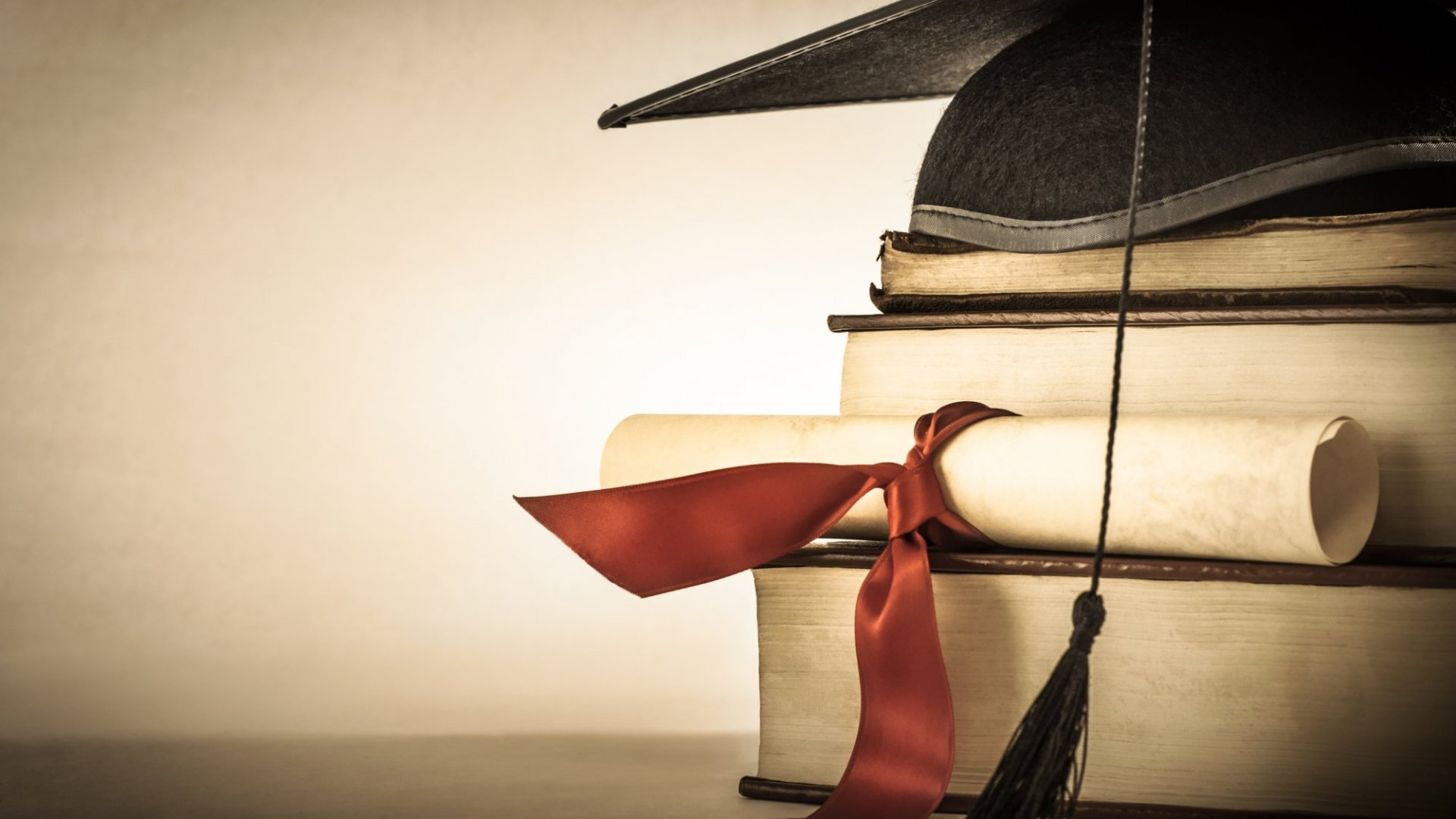 4 Ways the Media Glamorizes Successful College Dropouts (and Why it Needs to Stop)