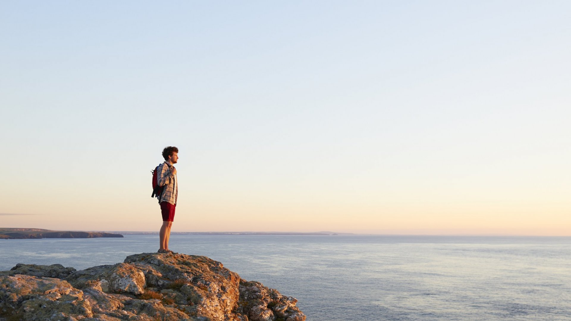 7 Incredible Things That Happen Once You Learn To Enjoy Being Alone