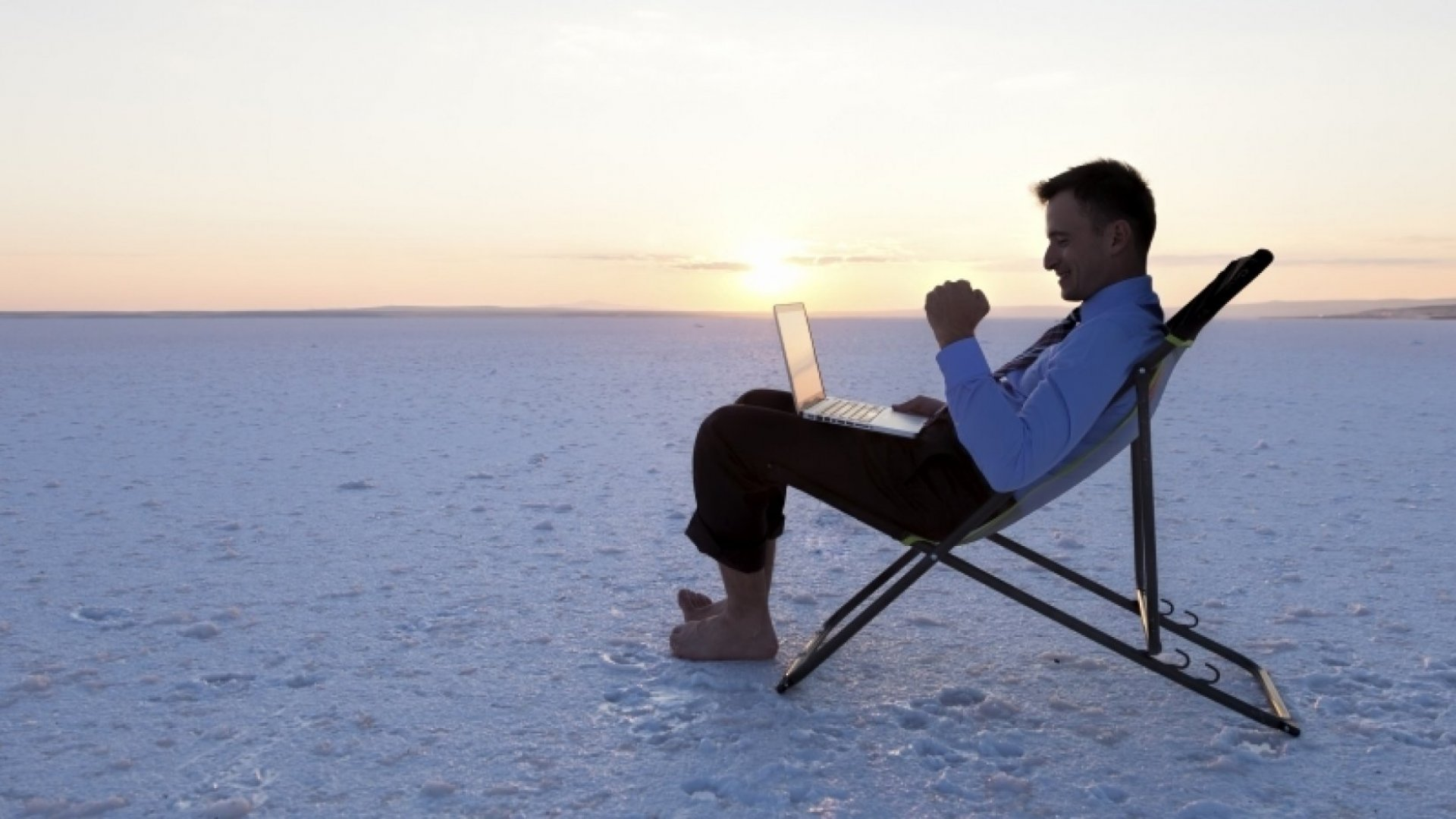 Always Plugged In? Here's How to Get the Most Out of Your Vacation