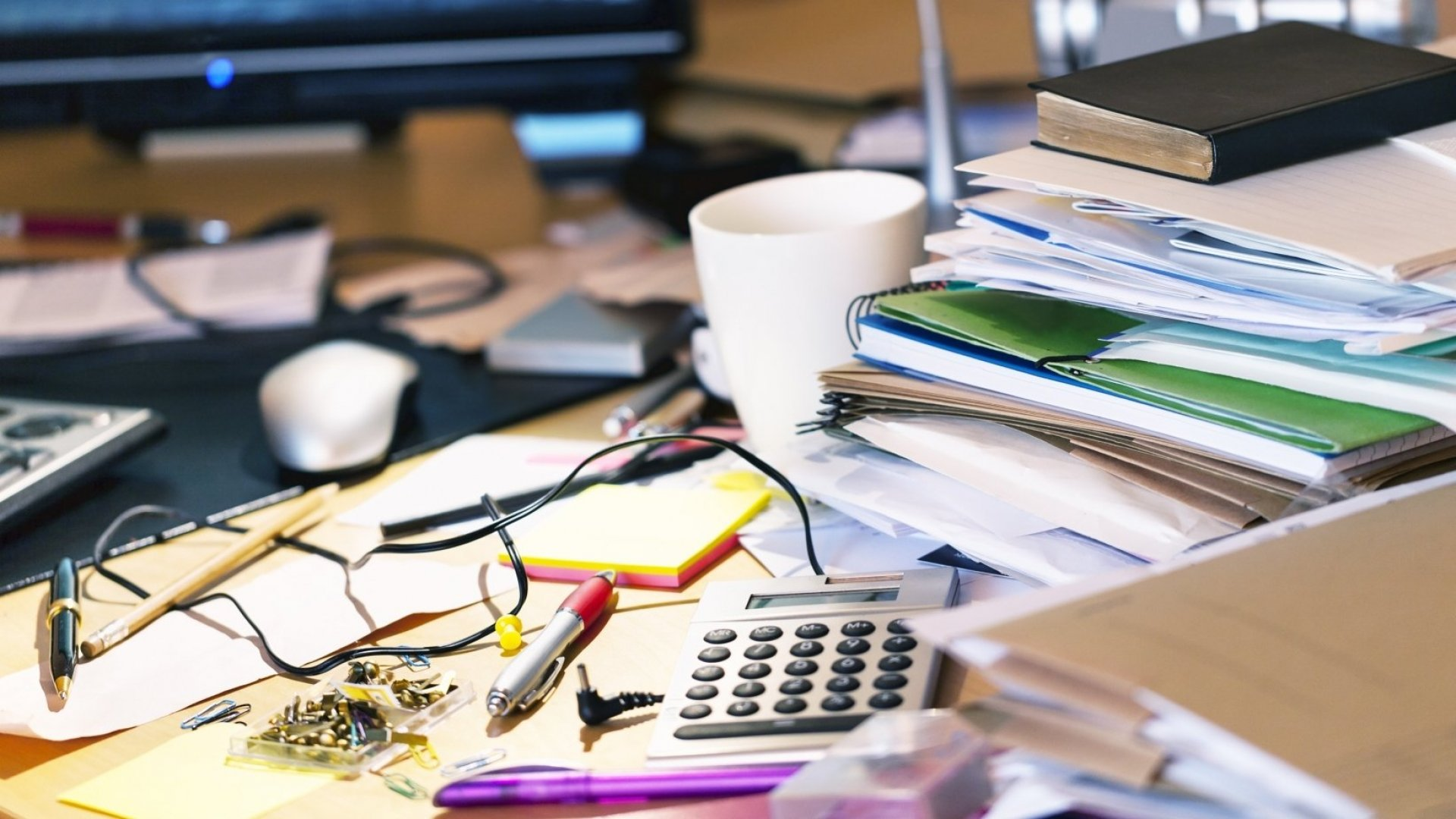 A Messy Desk Is a Sign of Genius, According to Science