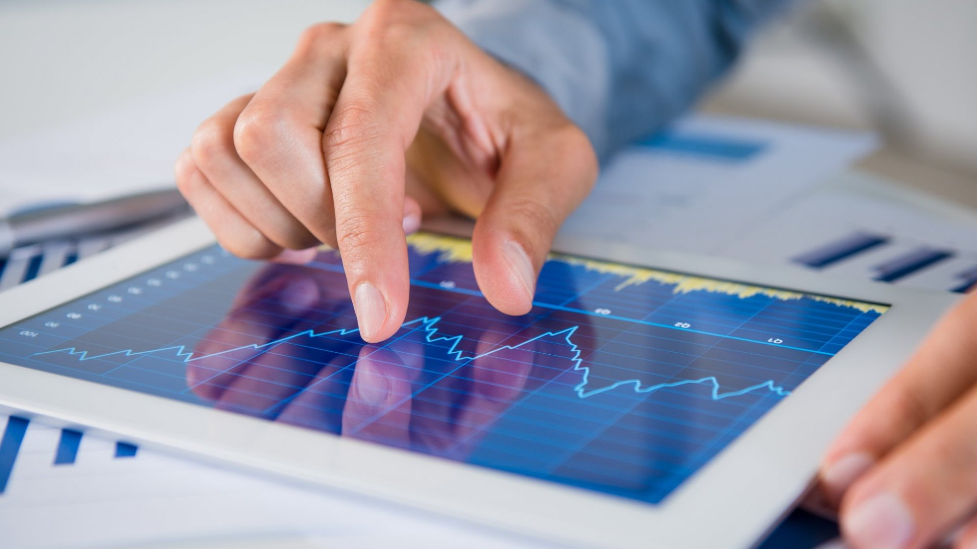 4 Tips for Investing in a Volatile Market