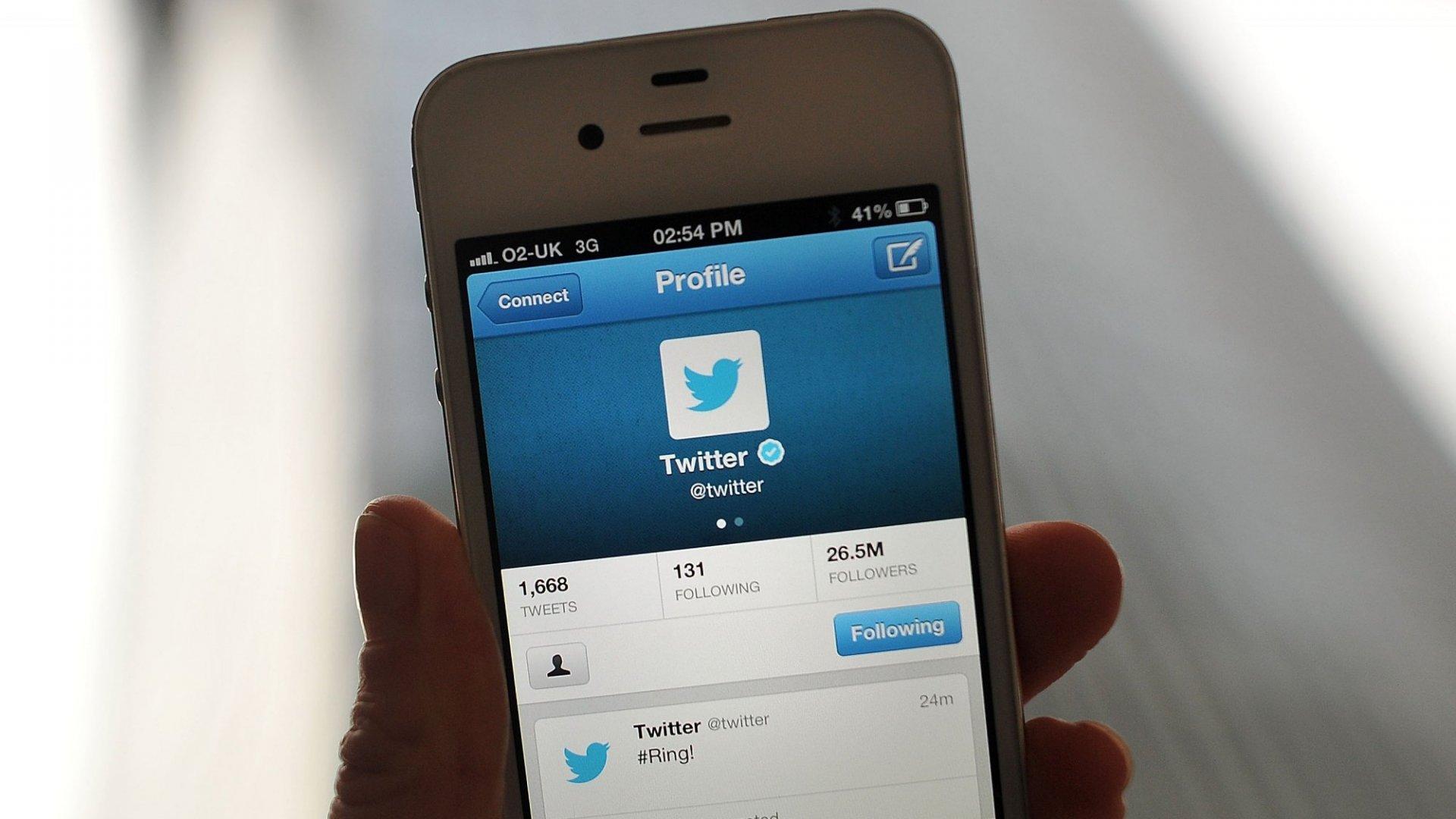 Twitter Bans 2 Kremlin-Backed News Outlets While Reddit Blocks White Supremacist Forums