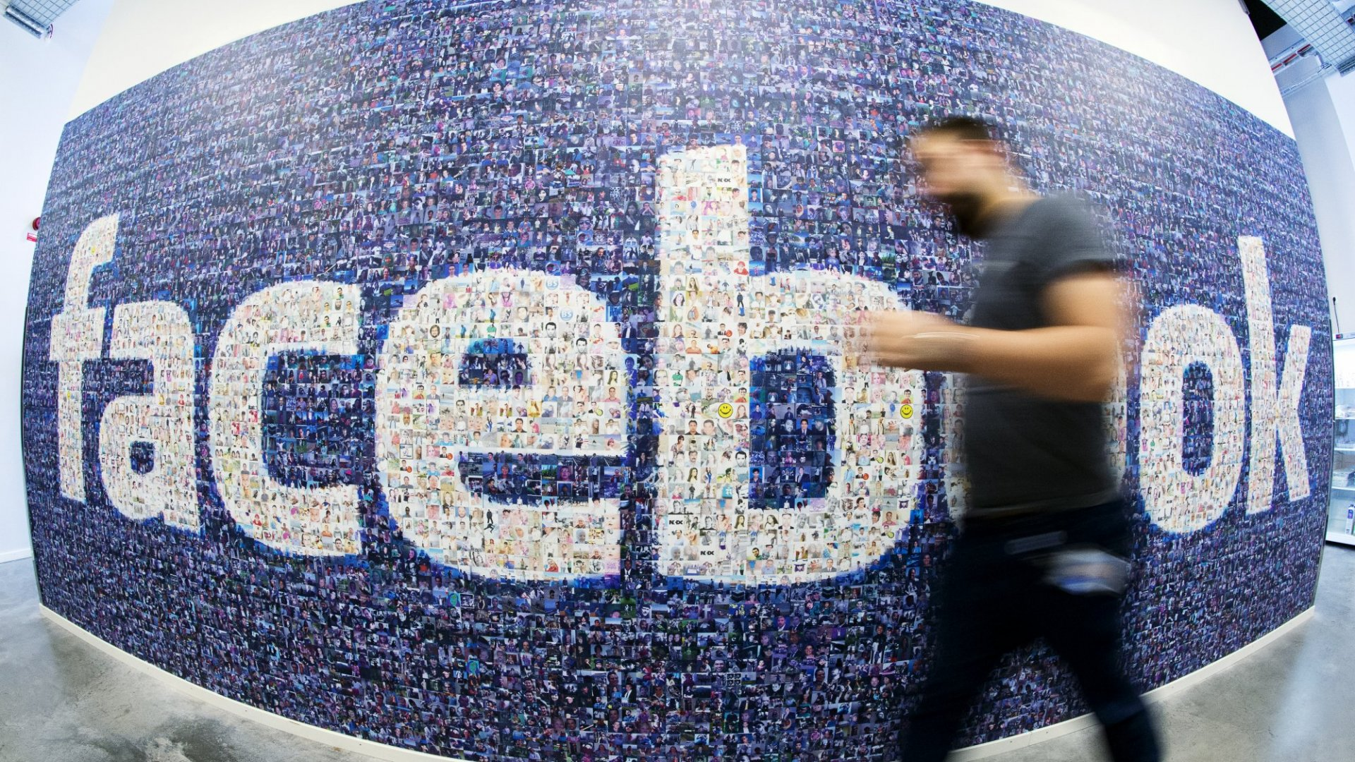 How Facebook Gaslights Its Users by Spreading Bogus News