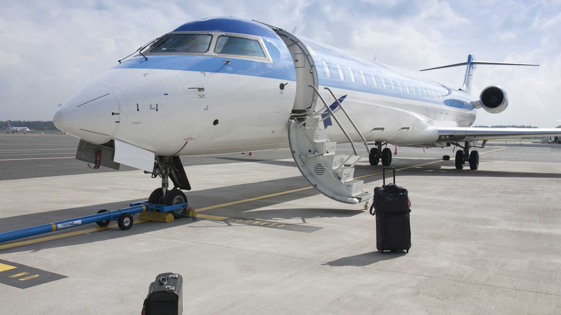 Thinking of Starting a Business? 3 Reasons to Take the Airplane (And Not the Stairs)