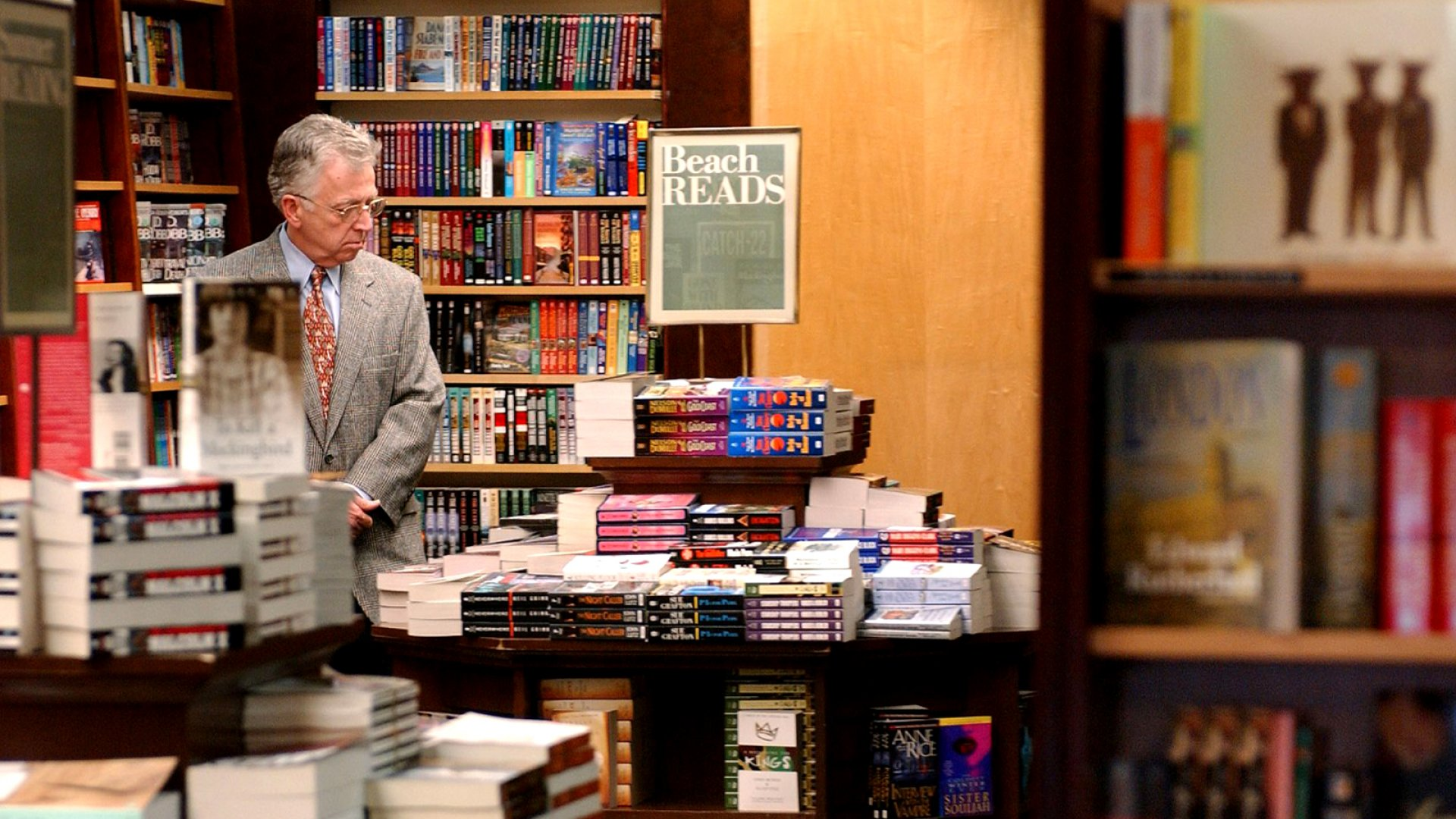Barnes & Noble Finally Found the 1 Thing It Can Offer Customers That Amazon Can't