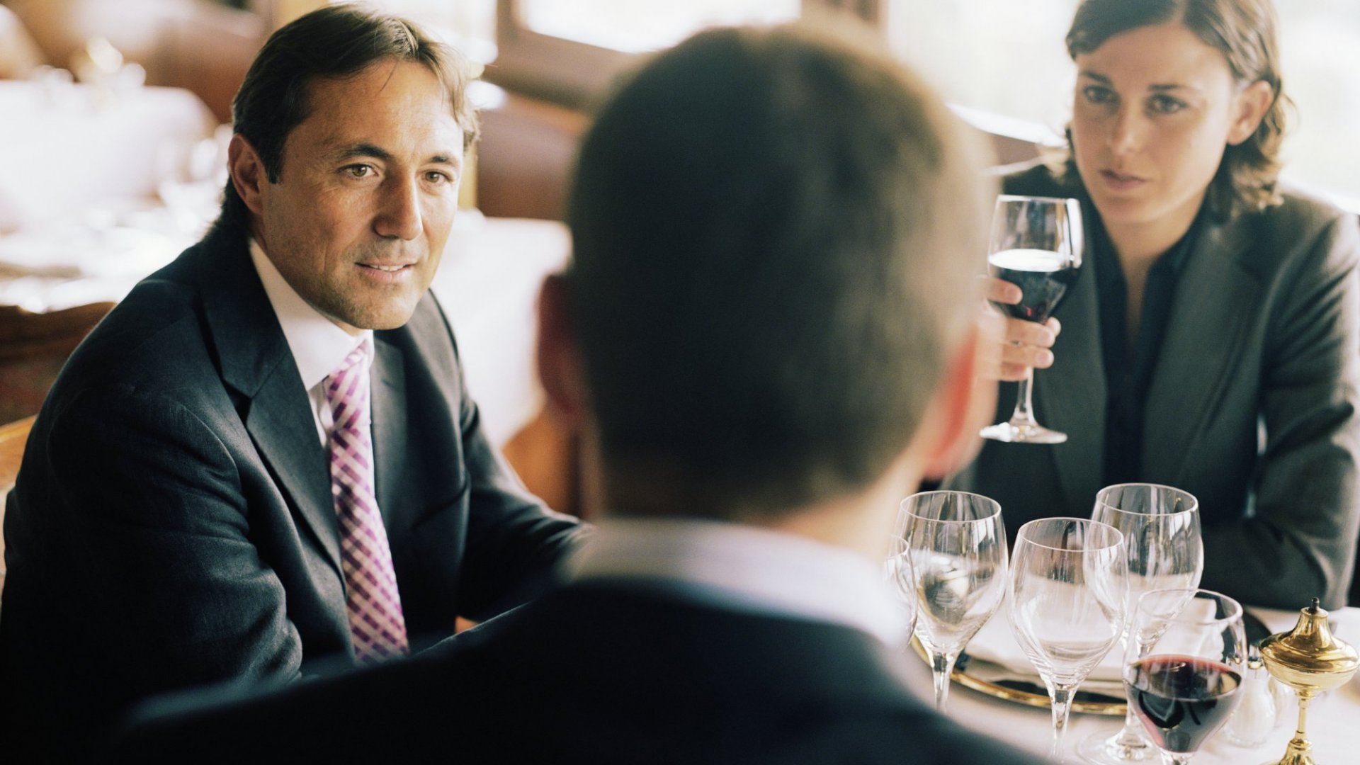 How To Guarantee An Insanely Successful Business Lunch
