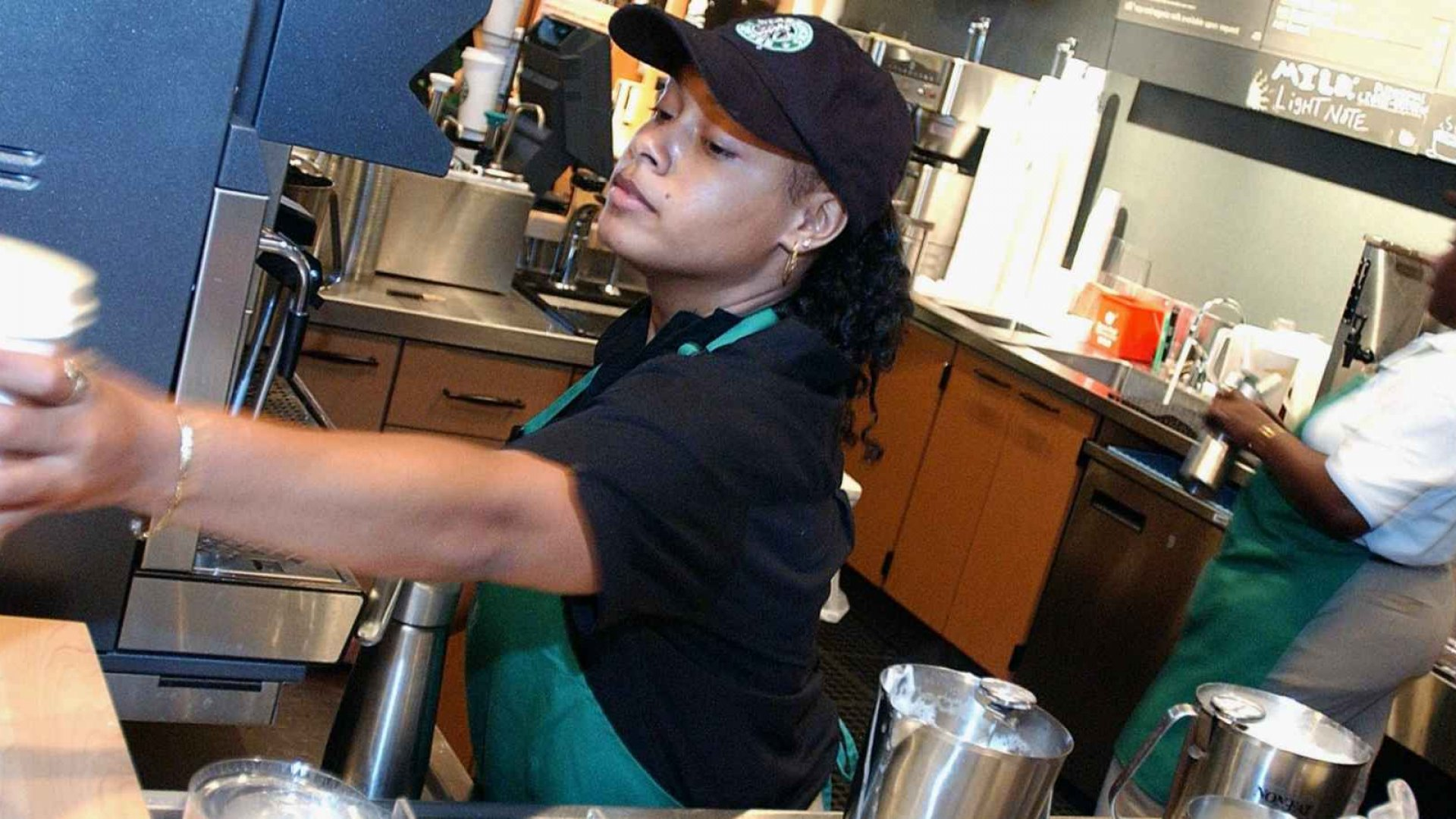 What Starbucks' Pay Raises Can Tell You About the U.S. Economy