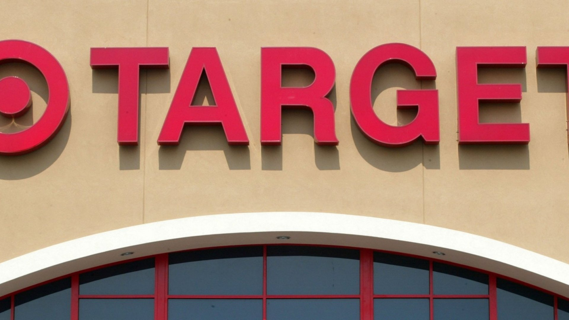 Target Just Raised Its Minimum Wage to $15 an Hour. Here's What That Means for Other Employers