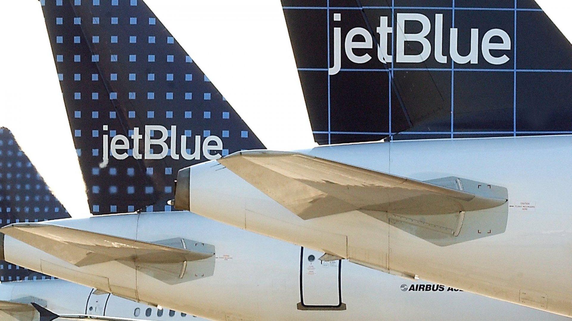 A JetBluePassenger Wanted 'Ice.' A Flight Attendant Misheard 'ISIS!' (Violence, Jailand a Lawsuit Followed)