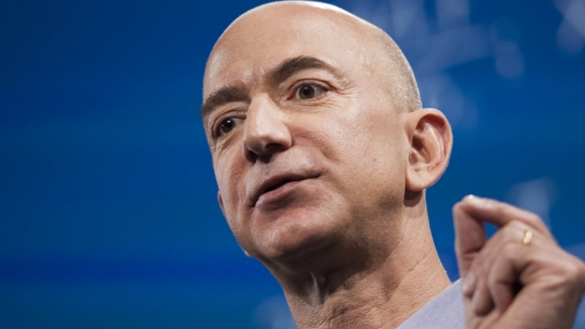 What Self-Made Billionaire Jeff Bezos Does Differently