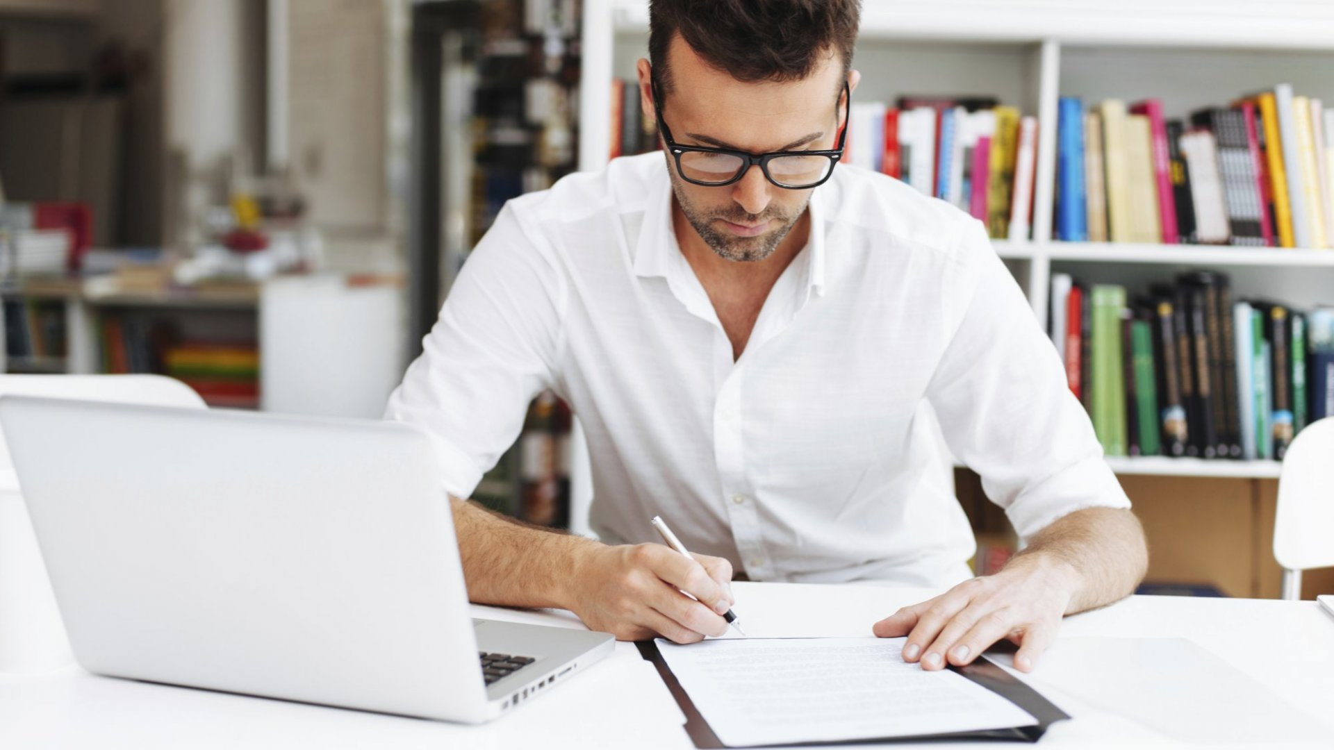 Use these writing hacks to write well quickly and effectively.