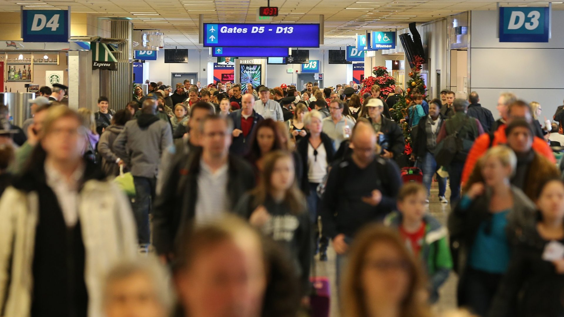 Want to Avoid Delays This Thanksgiving? Steer Clear of These Airports and Airlines