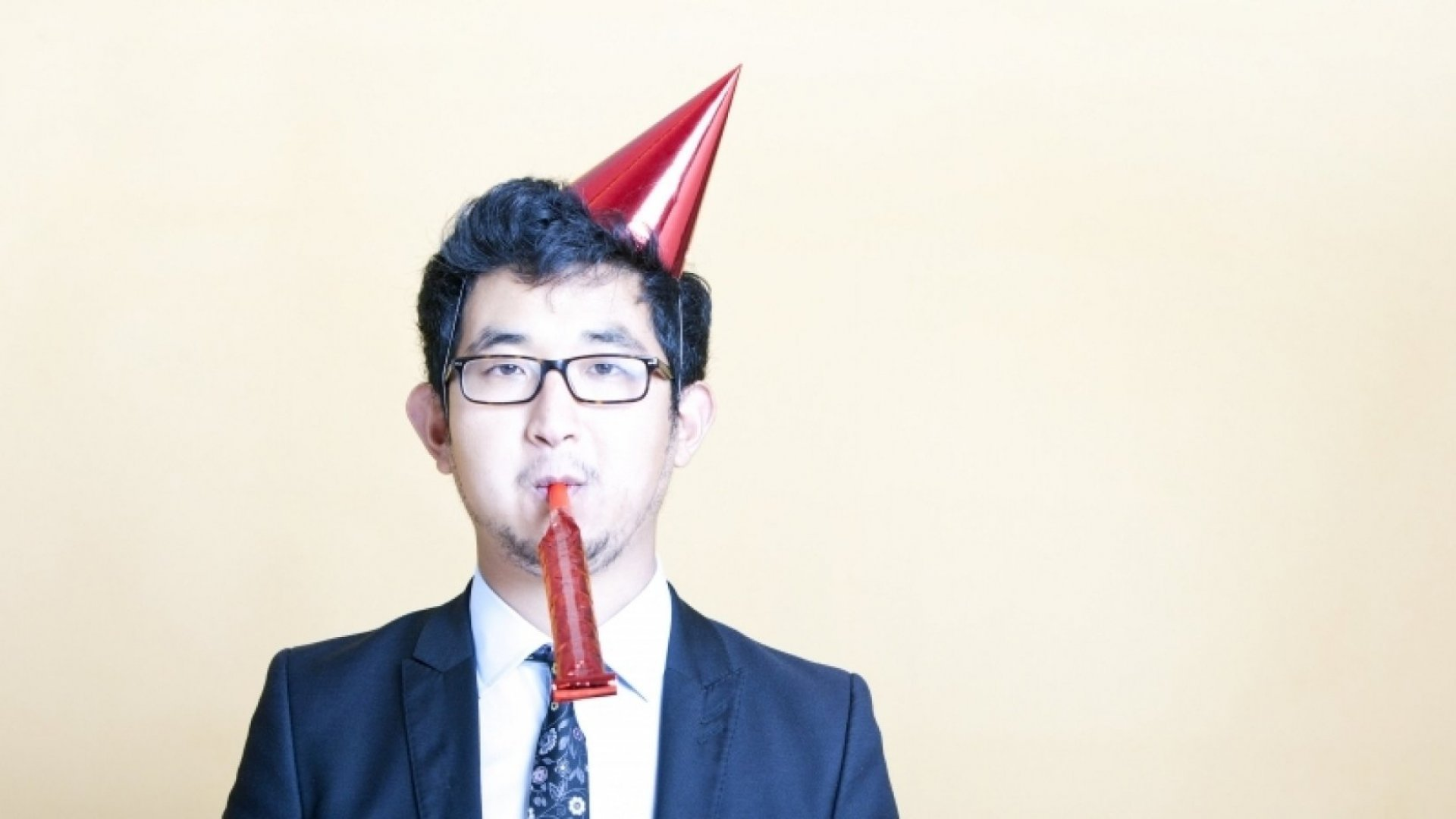 If You're an Introvert, Here's How to Survive Your Next Work Party