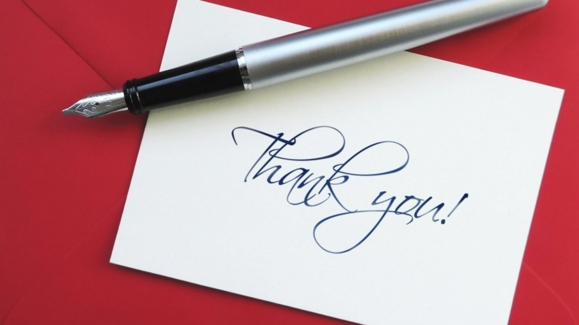 How to Show Thanks to Your Team and Make Them Happy