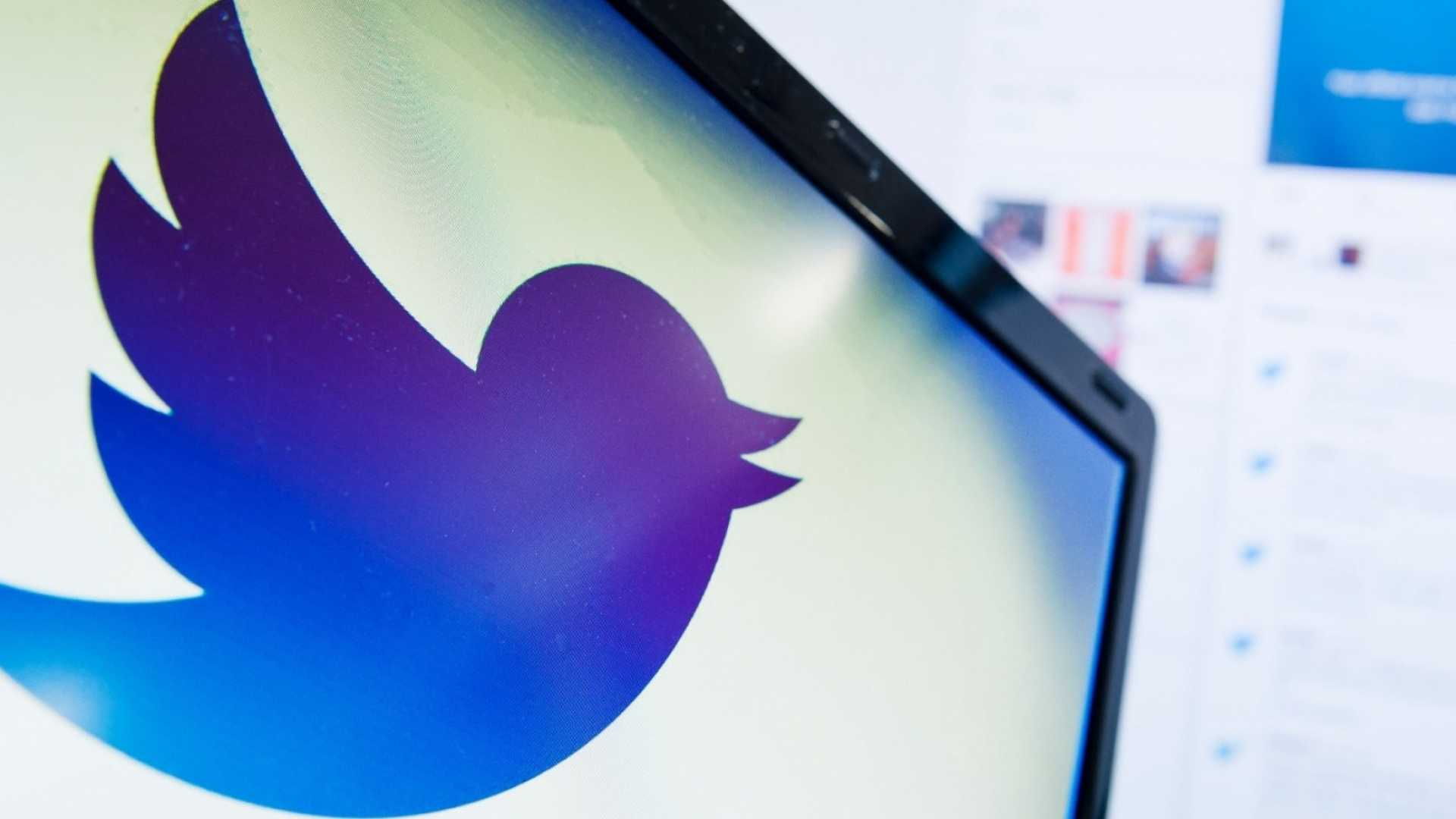 Twitter Bans All Political Ads