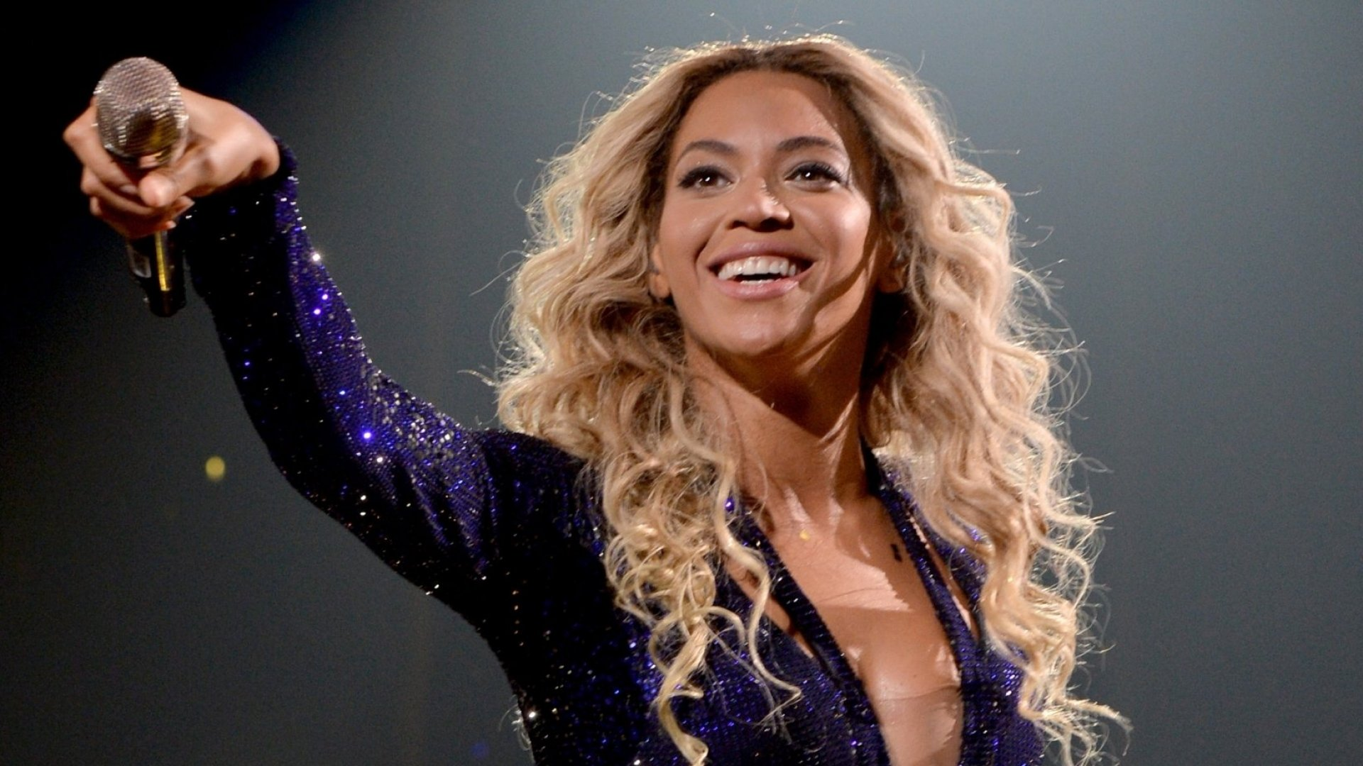 What Entrepreneurs Can Learn From Beyoncé About Capturing Attention