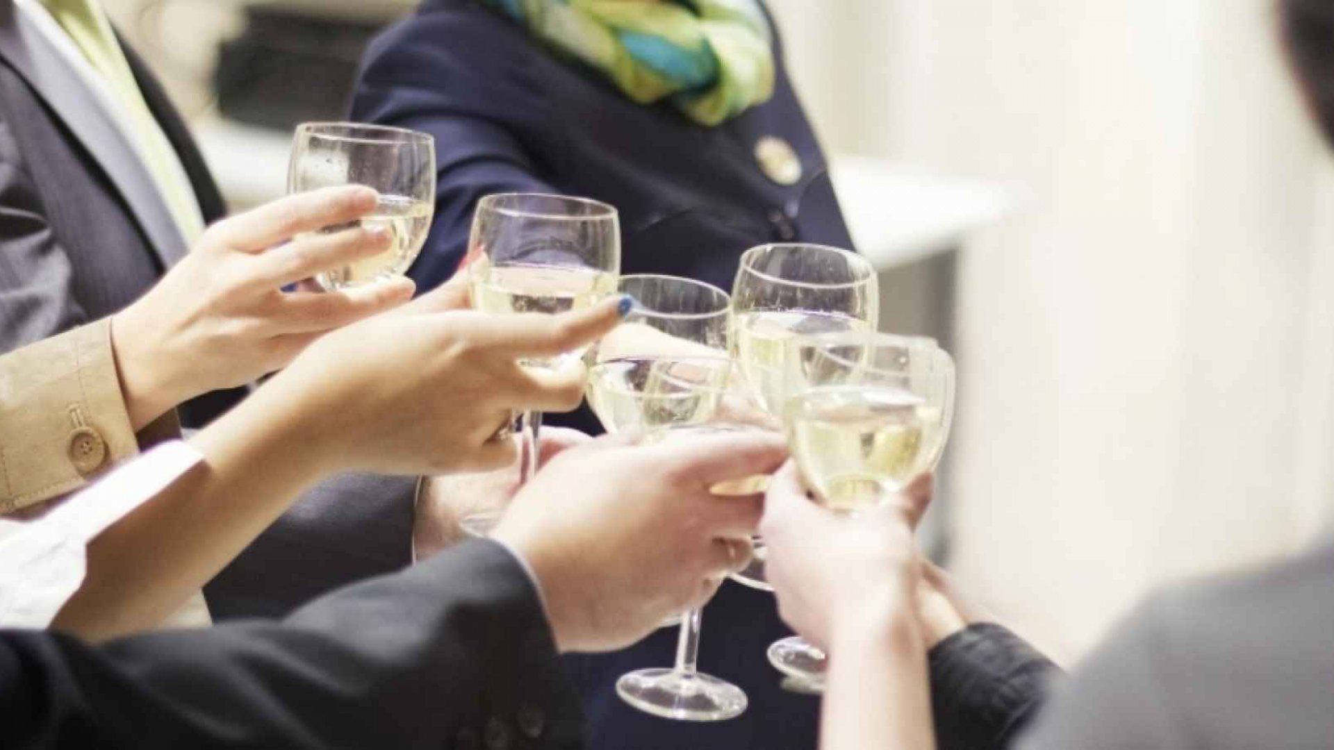 8 Ways to Celebrate Employee Raises in Your Workplace