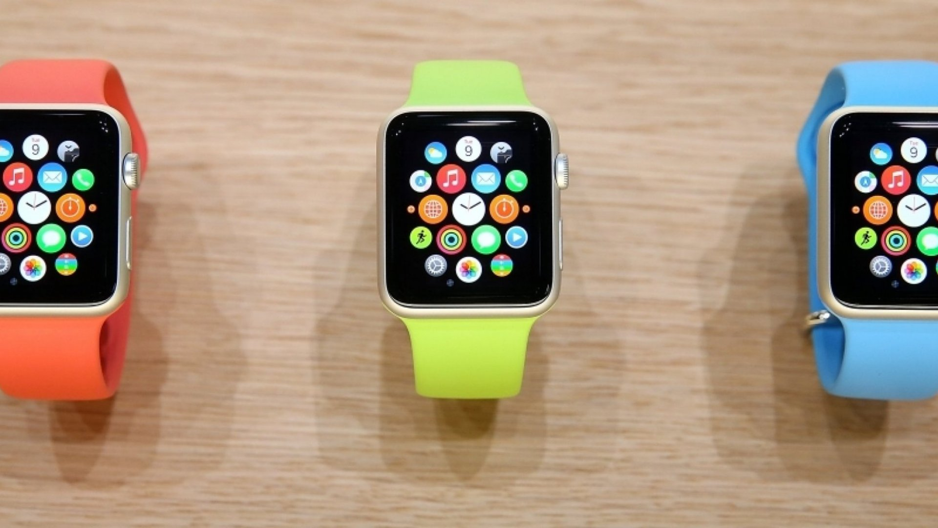 Square or Round? May the Best Apple Watch Competitor Win