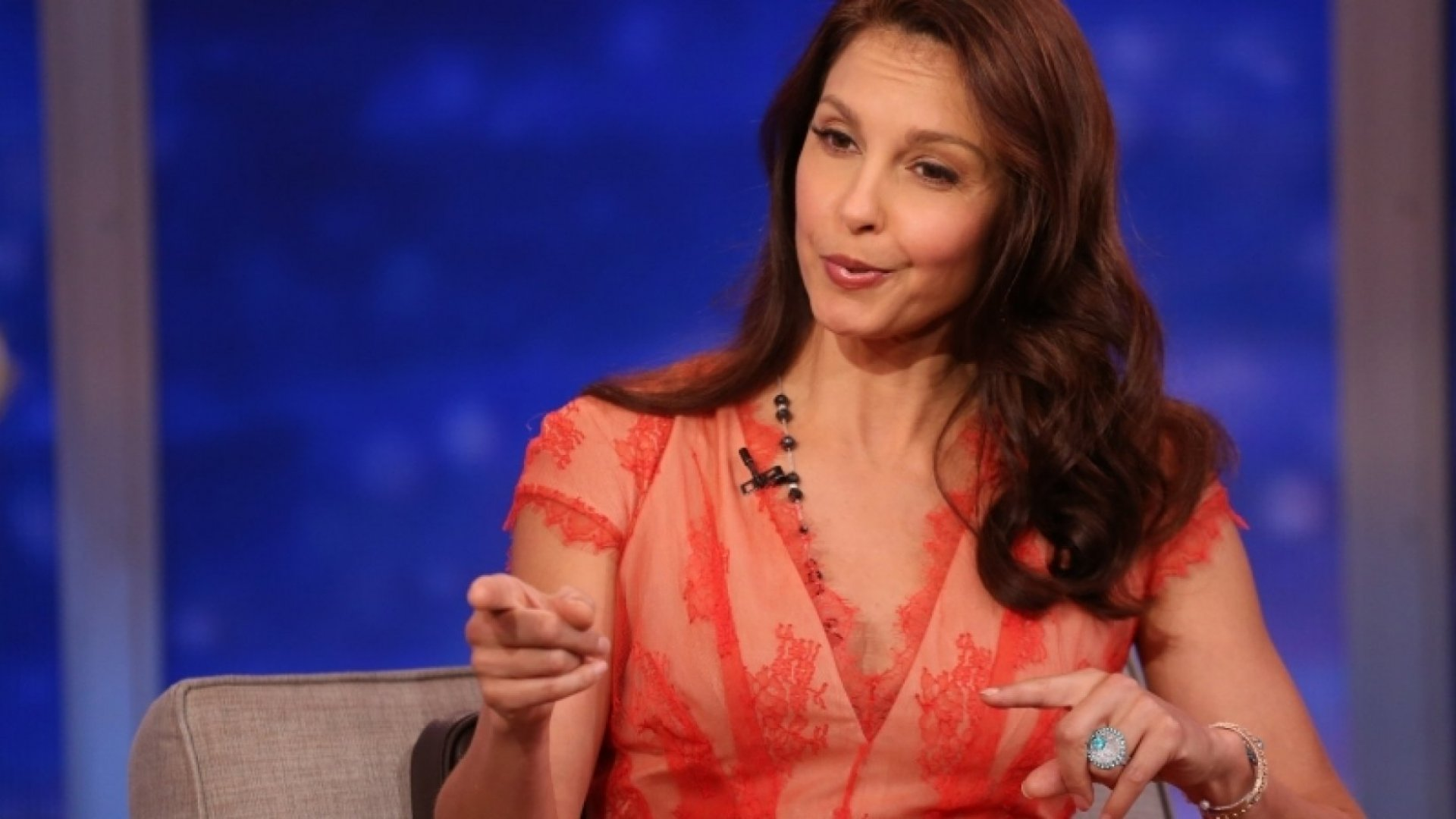 Harassed on Twitter? Here's How Ashley Judd and Others Are Fighting Back