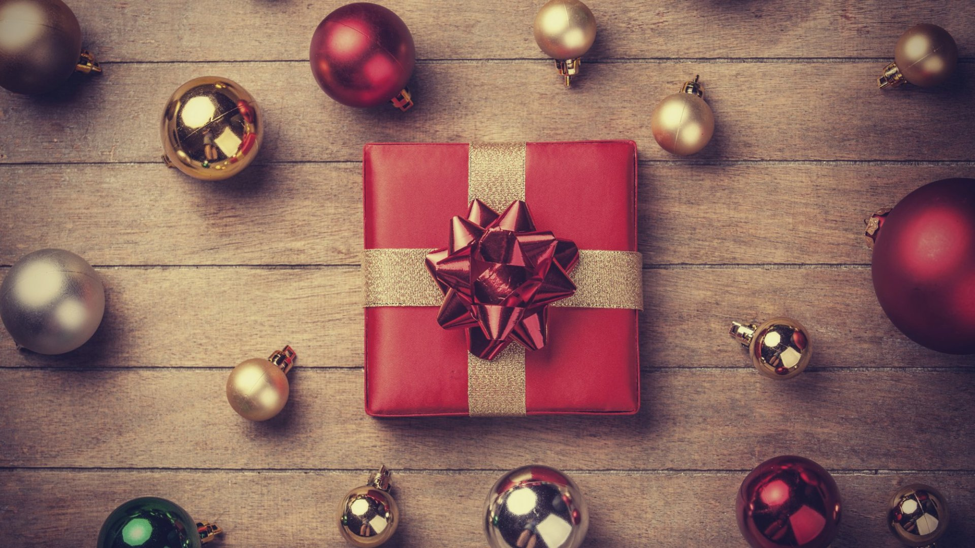 2015 Forecast Points to Happy Holidays for Retailers