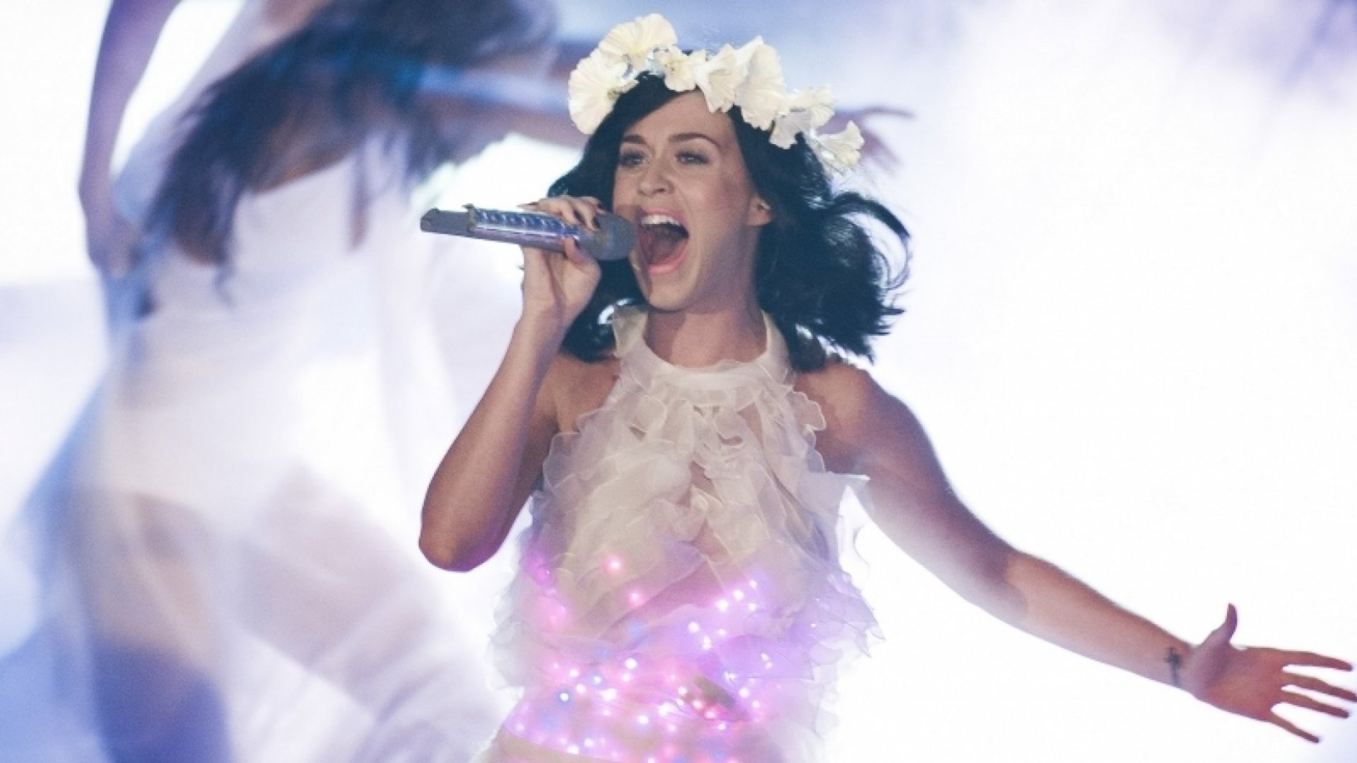 What Katy Perry's Business Success Can Teach You About Customers